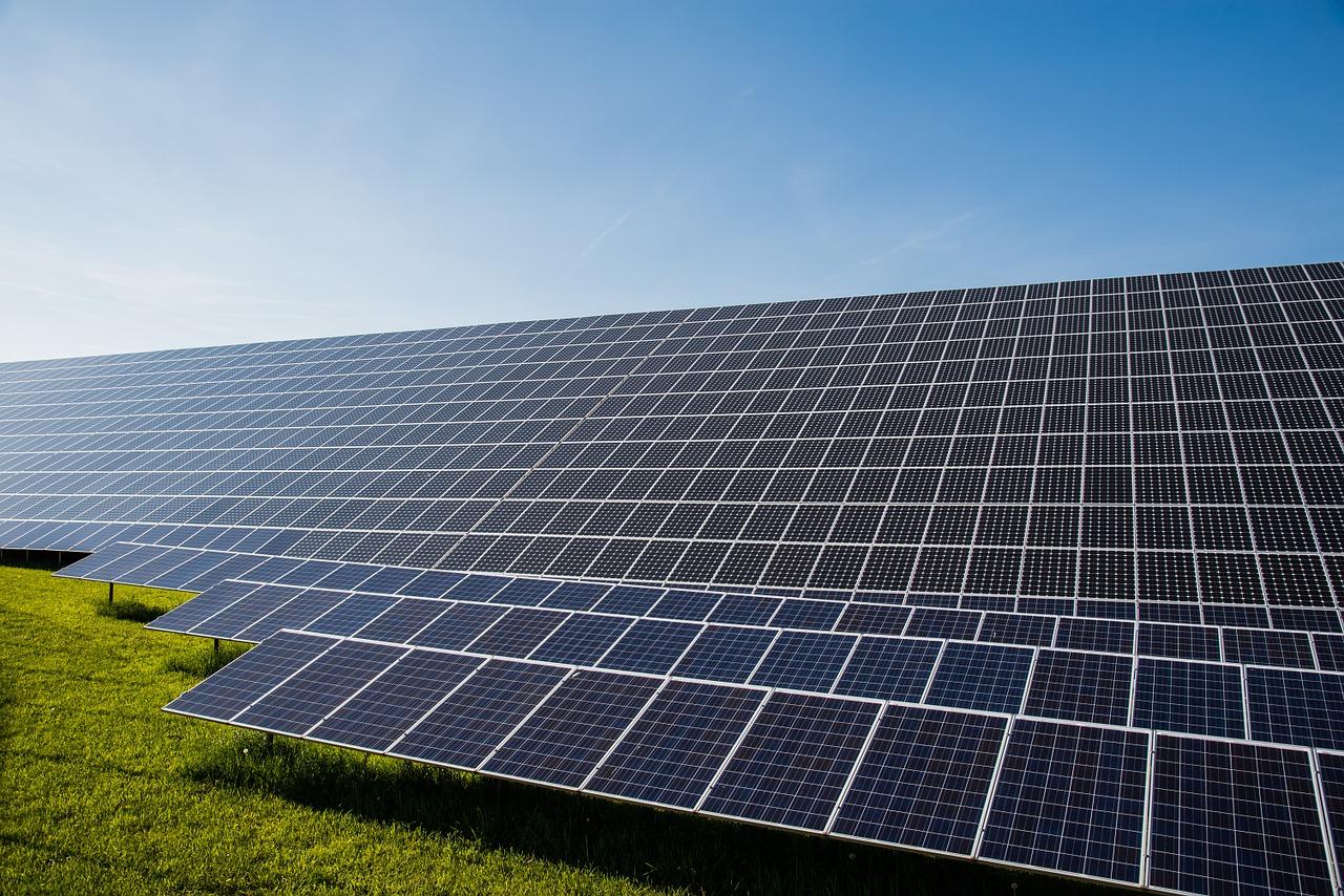 photovoltaic-491702_1280.jpg