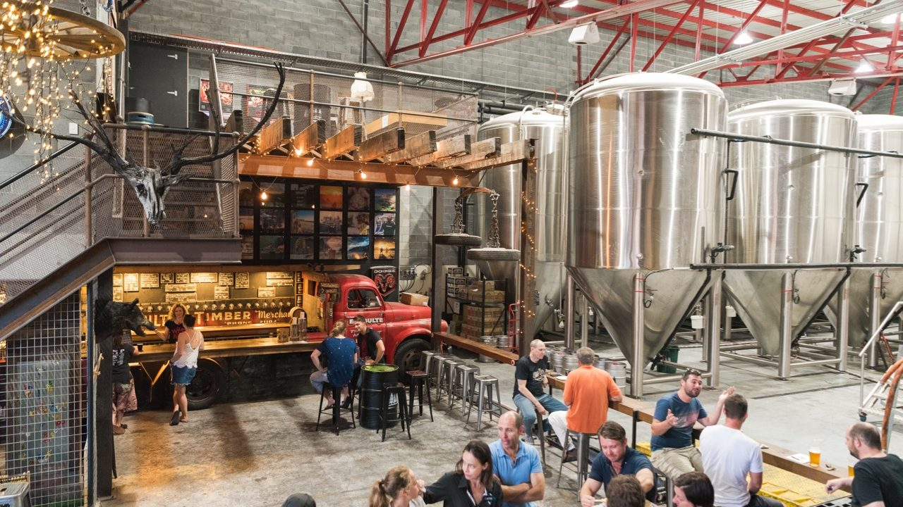 https://onestepoffthegrid.com.au/solar-beer-nsw-4-pines-launches-100kw-crowd-funding-round/