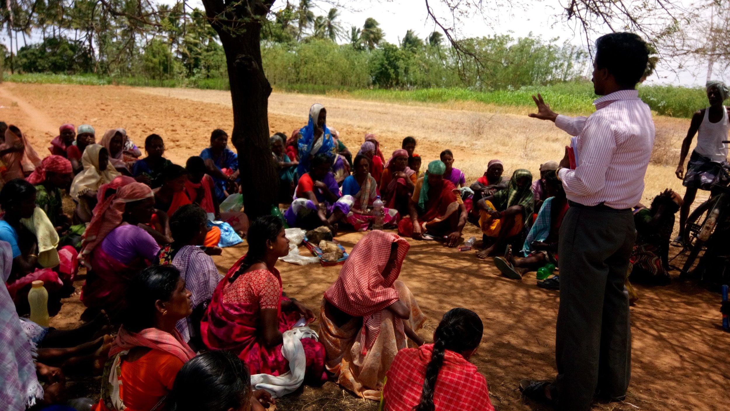 Gospel with 100 days labourers (2).JPG