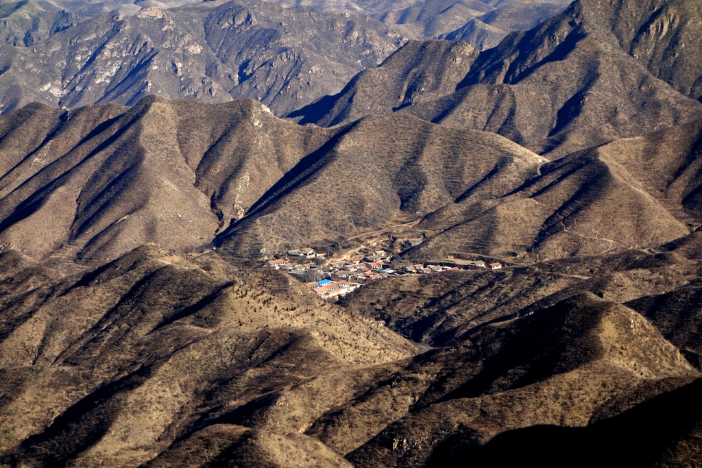 A village hidden among the mountains just north of the Wall near Hengling