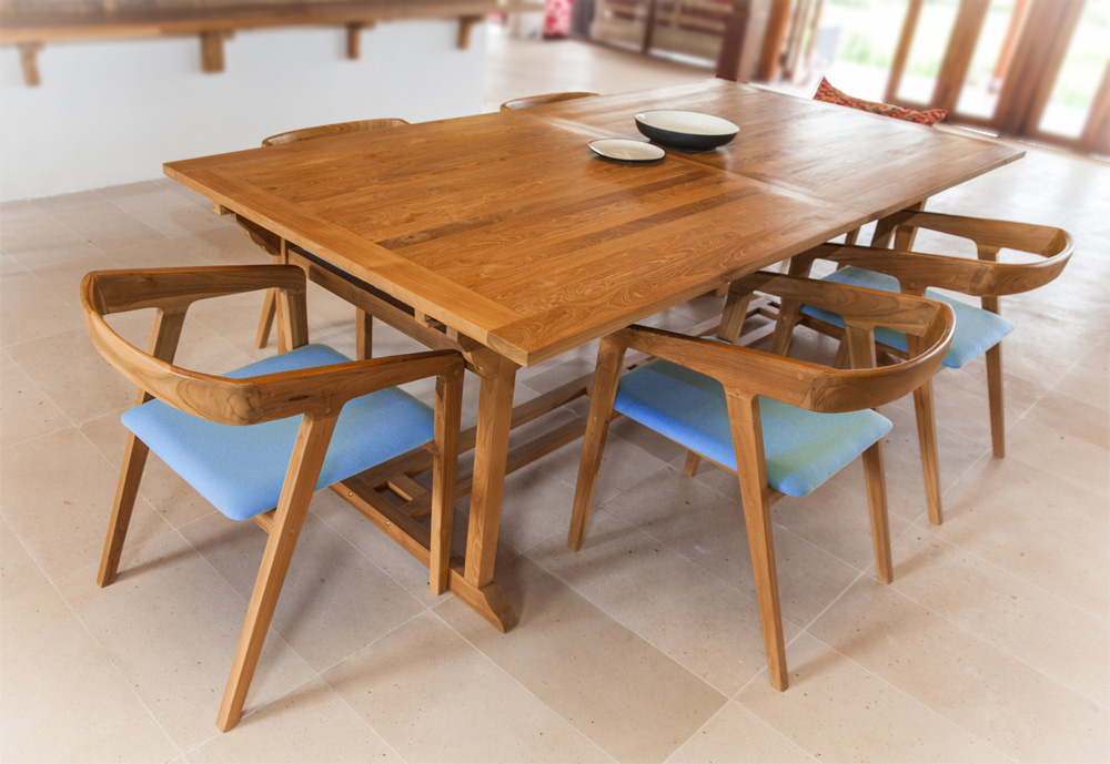 table deck and chair sanur.jpg