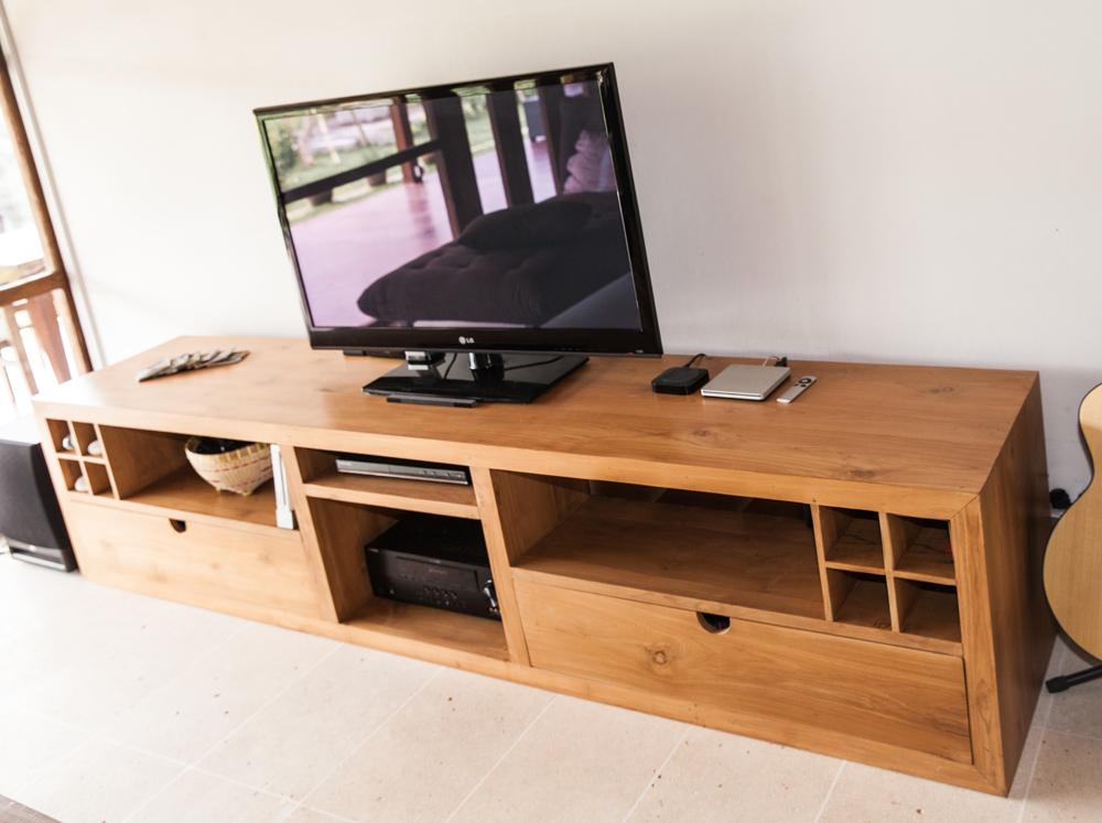 TV set Toshi custom.jpg