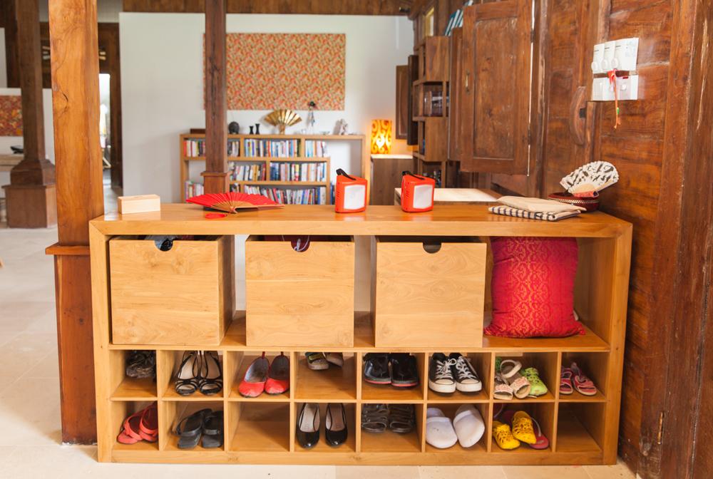 shoes rack ewa custom.jpg