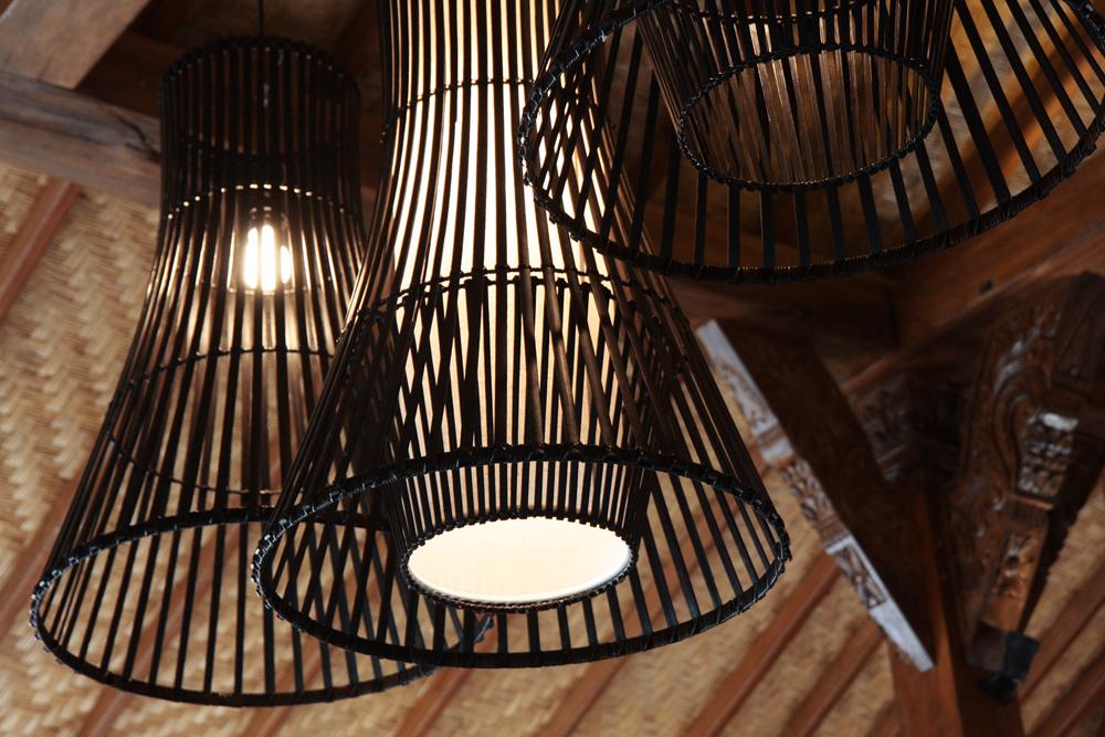detail lamps black DP.jpg