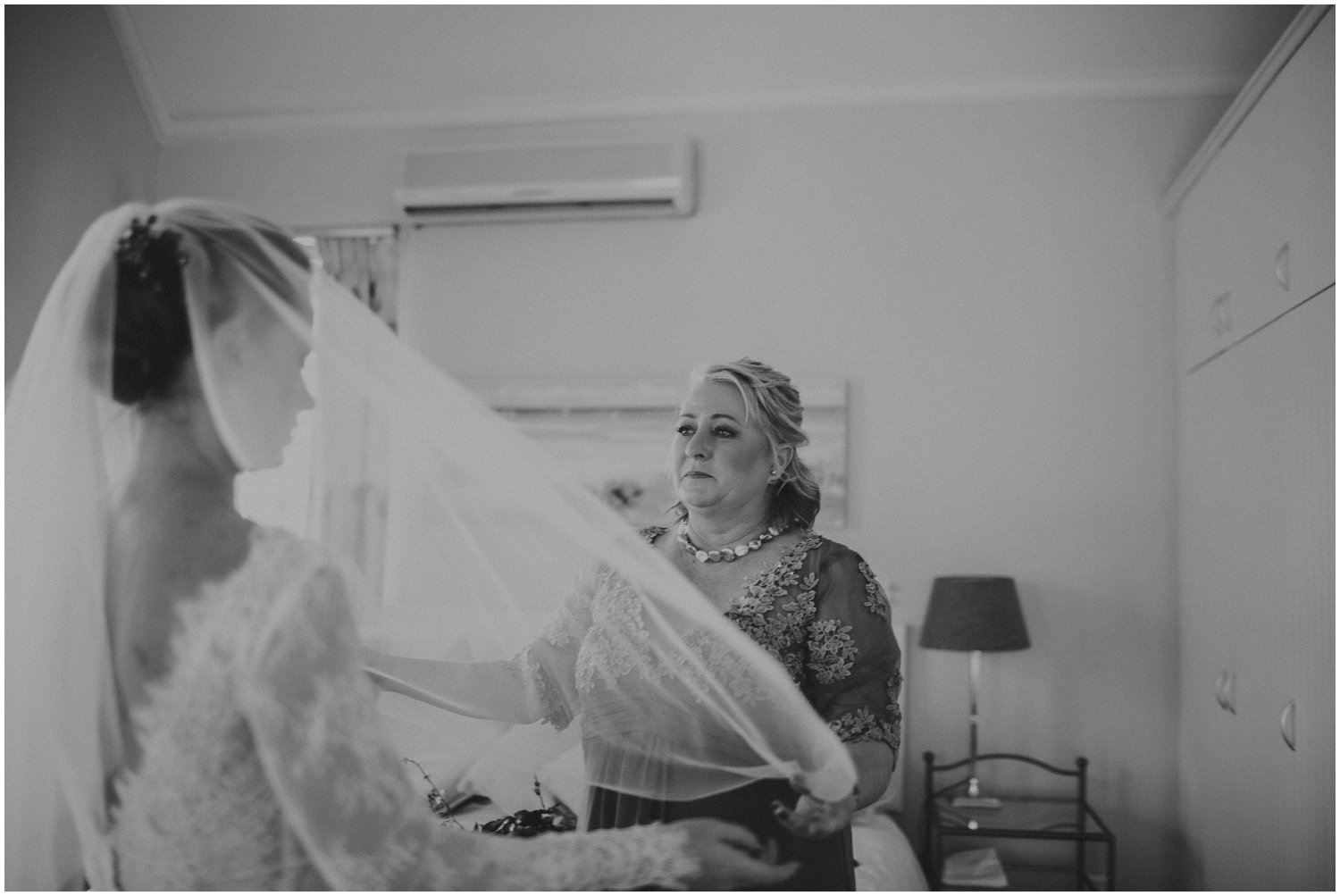 Top Wedding Photographer Cape Town South Africa Artistic Creative Documentary Wedding Photography Rue Kruger_1176.jpg