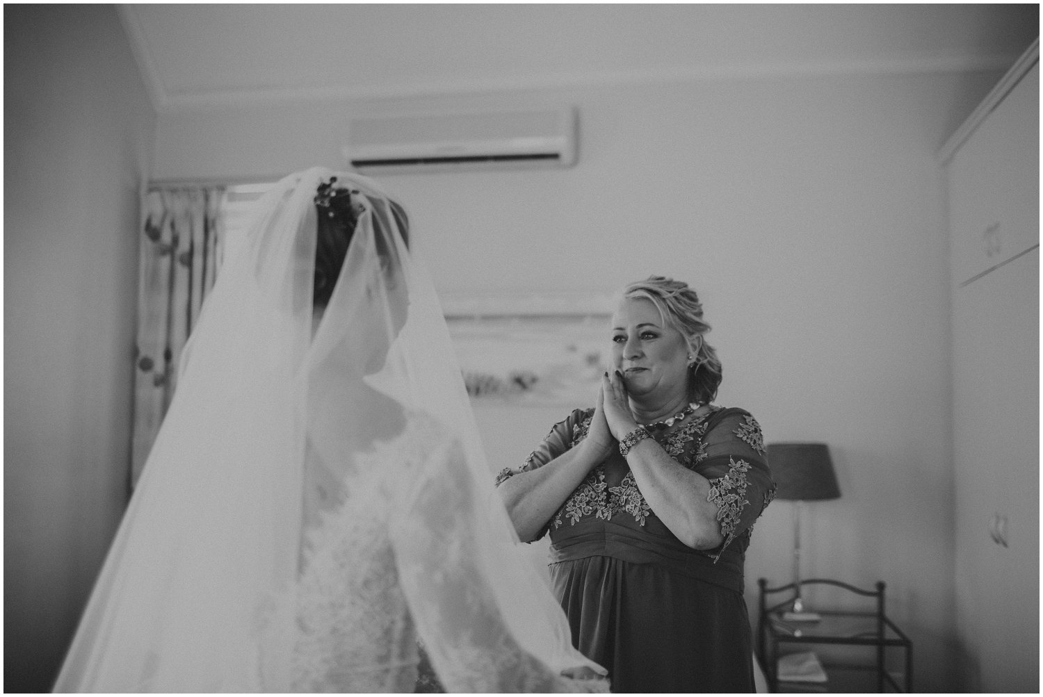Top Wedding Photographer Cape Town South Africa Artistic Creative Documentary Wedding Photography Rue Kruger_1178.jpg