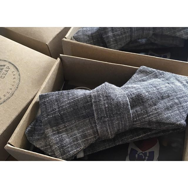 Farewell Brixton! Last two bow ties in this favourite fabric have just left us to fulfil their dapper duties.👌🏻