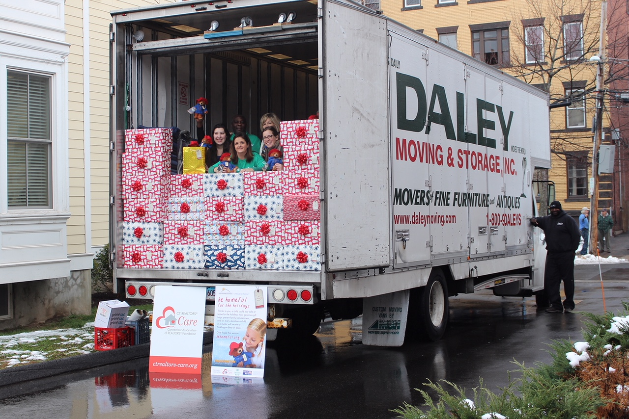 "Featured Partnership   This will be the Connecticut Coalition to End Homelessness's third year joining forces with CT REALTORS® Foundation, Citizens Bank, and United Way to engage businesses and communities around the state in holding ""bear-raiser"" drives to help local families remain housed. Volunteers are asking their communities to donate PaddingtonTM plush bears, books, and blankies to children in shelters for $25 a-piece. Financial underwriting from our partners allowed funds raised to go towards emergency funds to divert families from shelter"