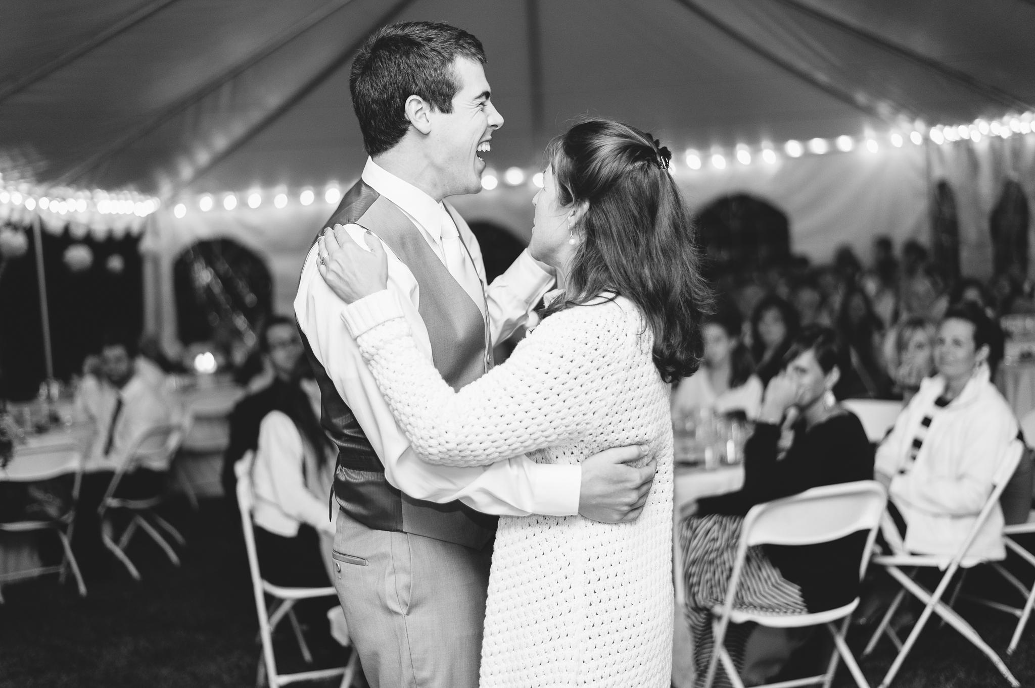 charlottesville wedding photographer charlottesville backyard wedding-260