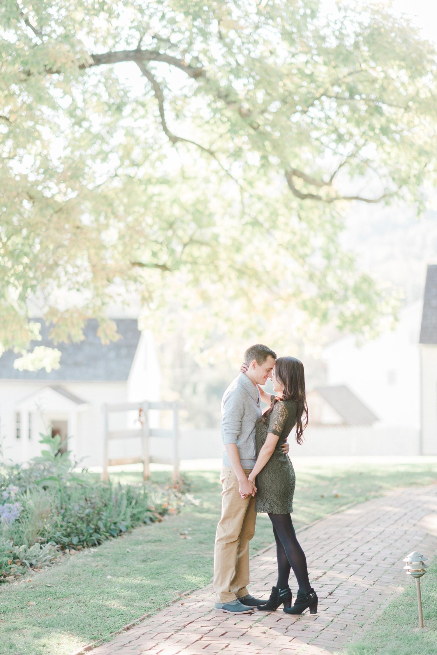 charlottesville_engagement_ashlawn_highland_0003.jpg
