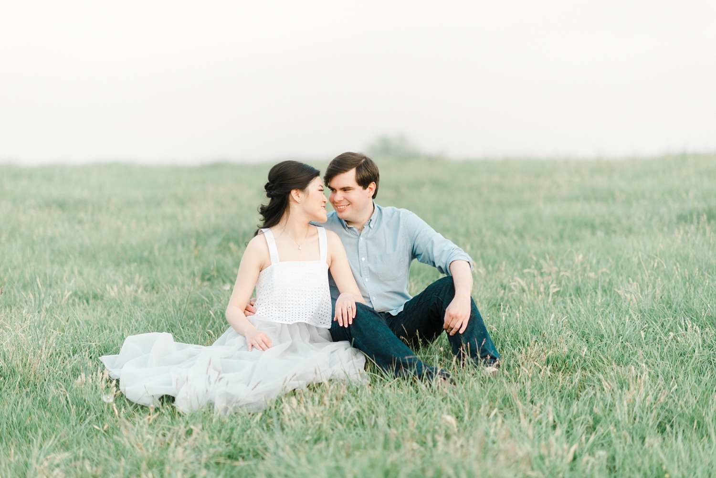 ash_lawn_charlottesville_couples_portraits_0029.jpg