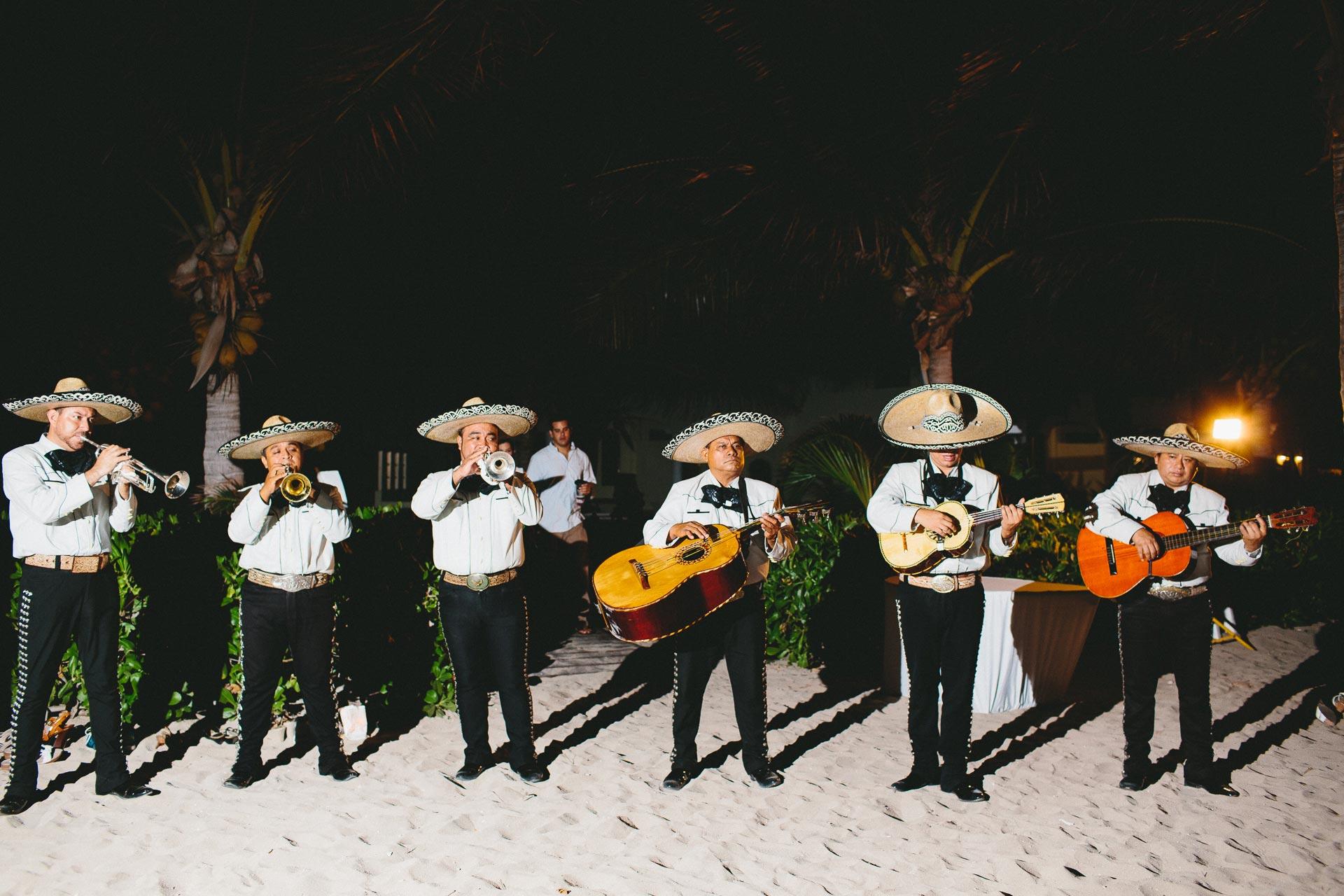 LC-Riviera-Maya-Mexico-Wedding-023@2x.jpg