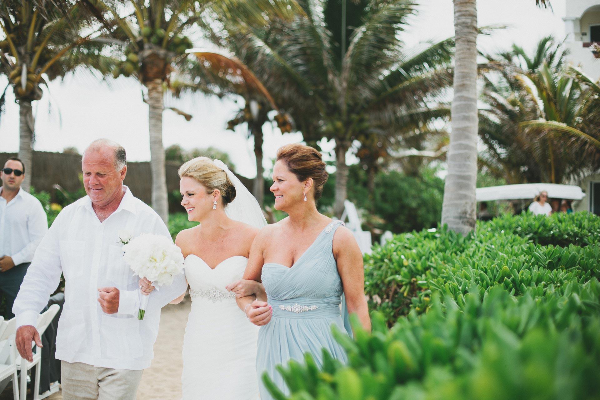 LC-Riviera-Maya-Mexico-Wedding-062@2x.jpg