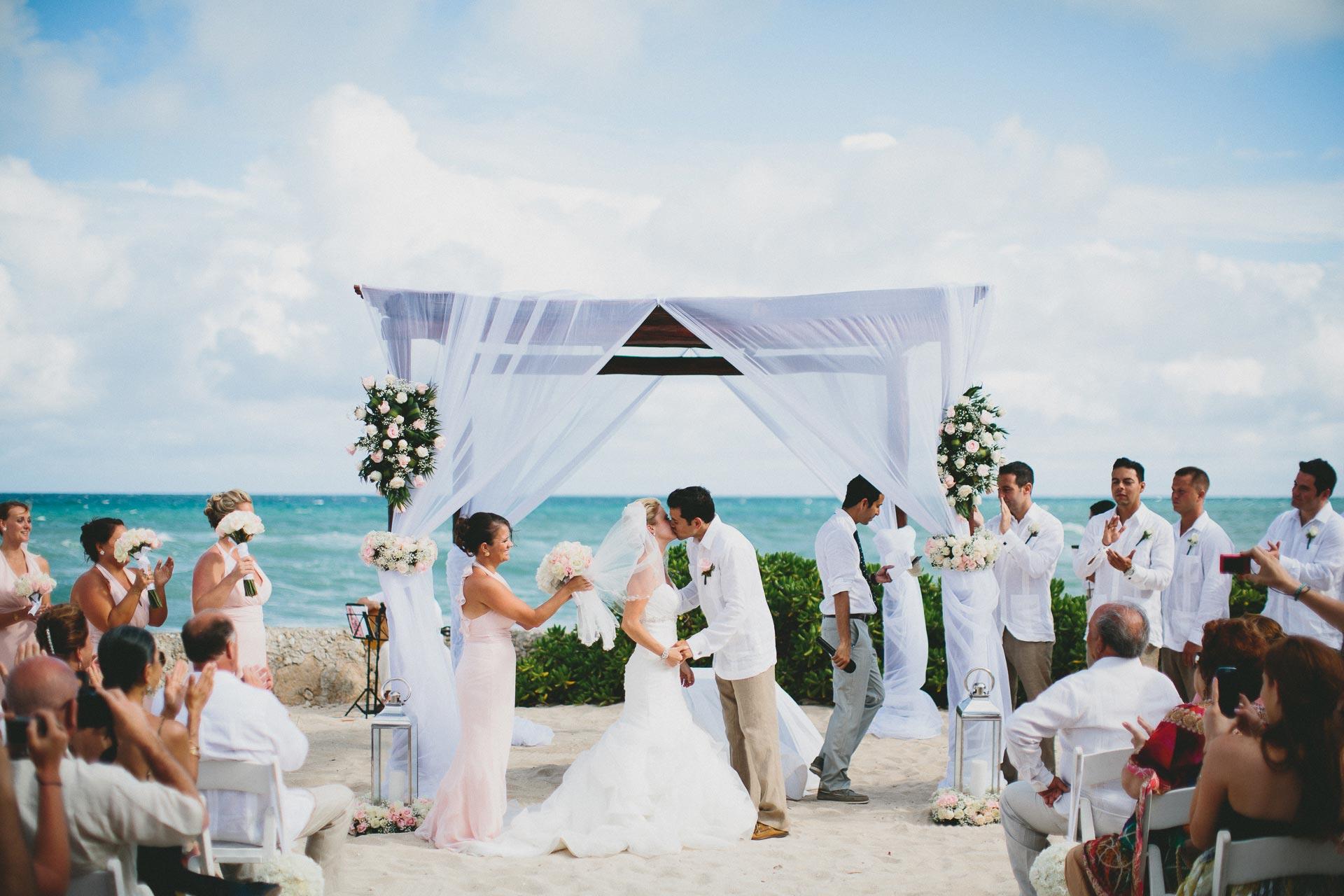 LC-Riviera-Maya-Mexico-Wedding-070@2x.jpg