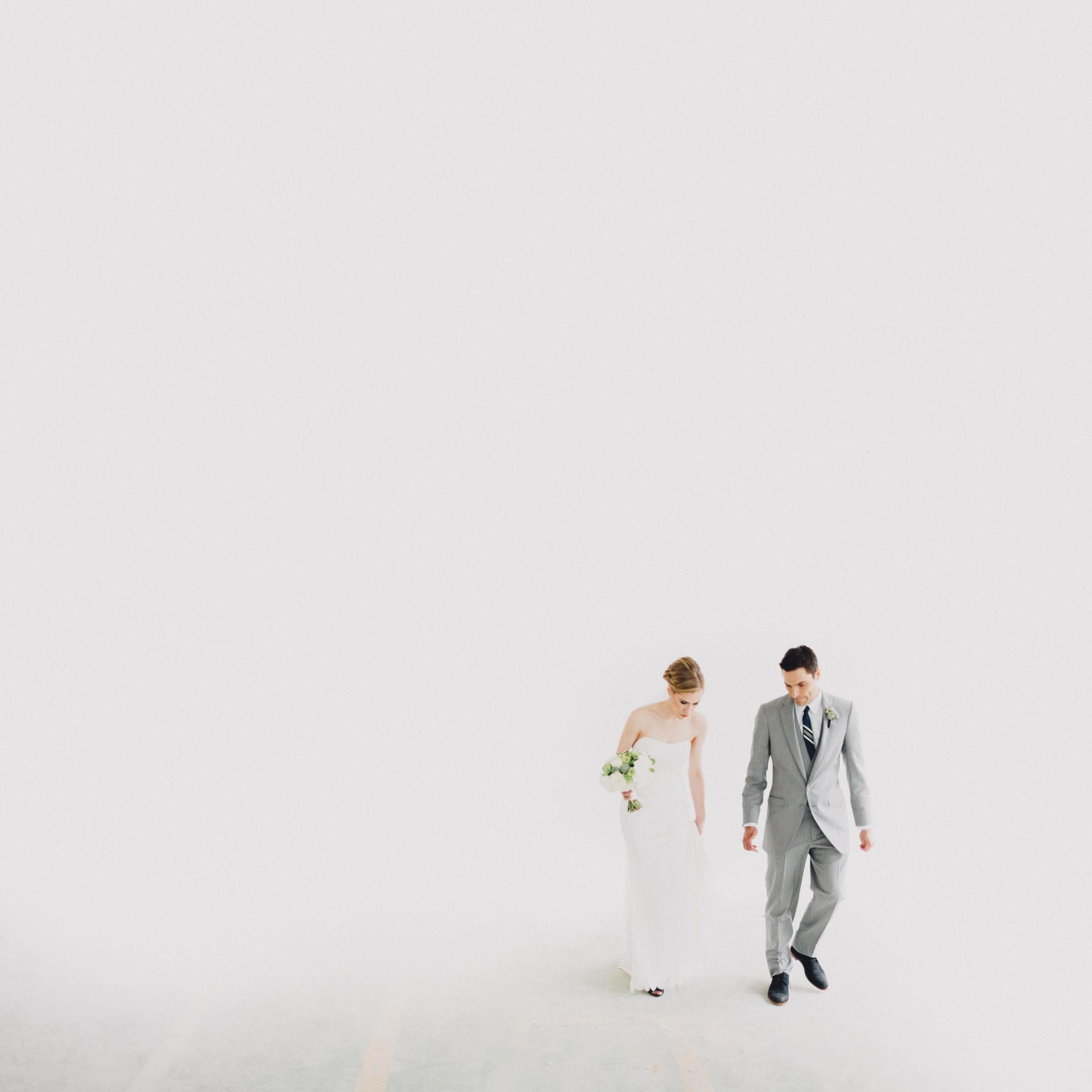 Laura + Alex Cincinnati Minimal Wedding Photography