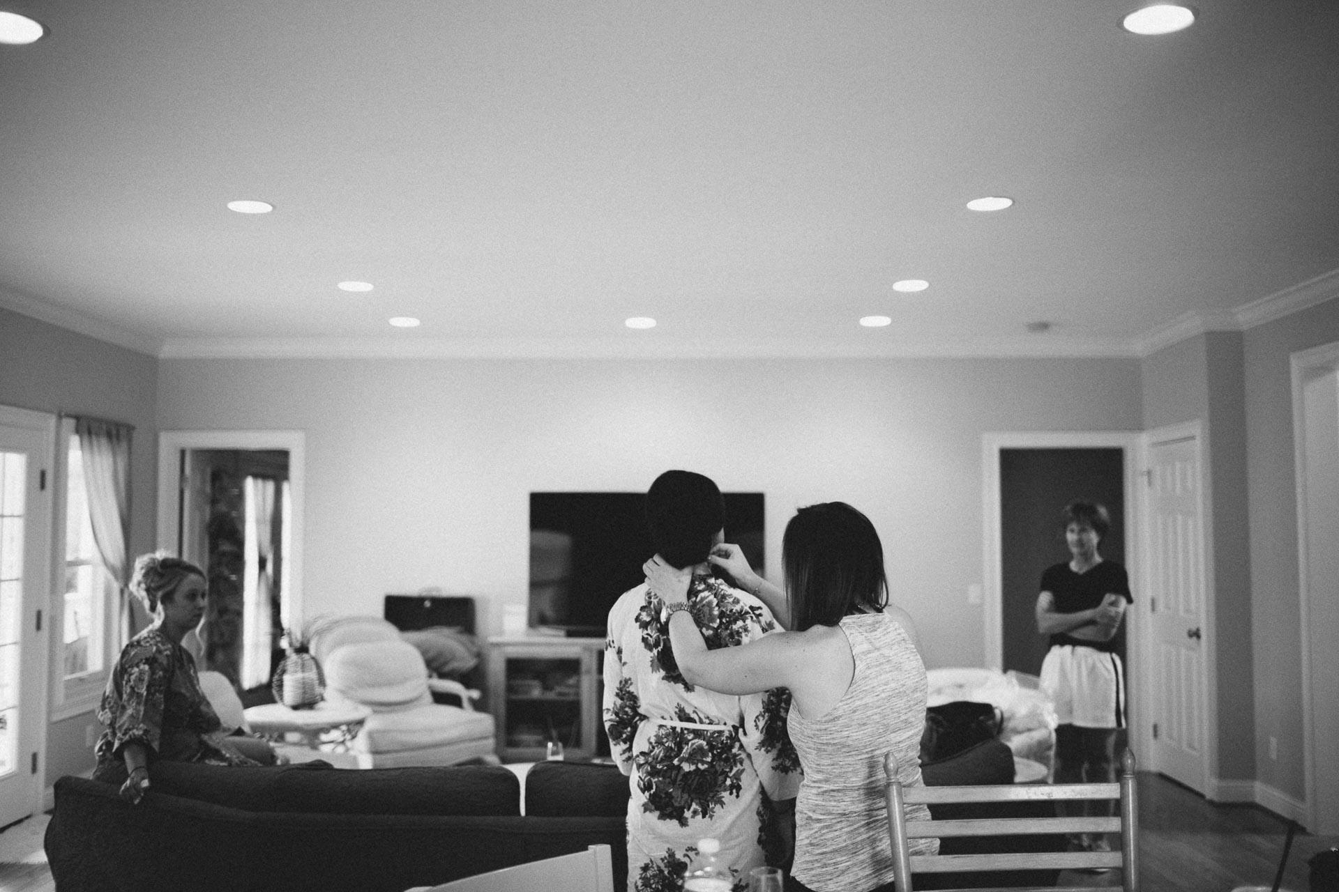 Emily-Eddie-Cincinnati-Rennaissance-Hotel-Wedding-003@2x.jpg