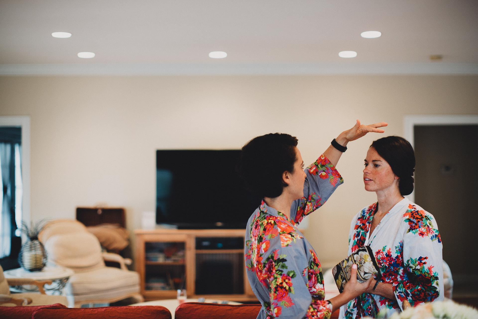 Emily-Eddie-Cincinnati-Rennaissance-Hotel-Wedding-004@2x.jpg