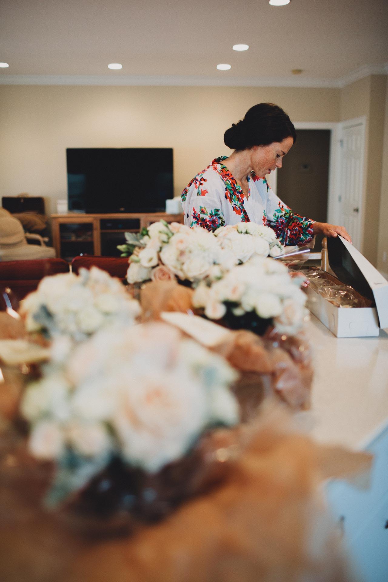 Emily-Eddie-Cincinnati-Rennaissance-Hotel-Wedding-007@2x.jpg