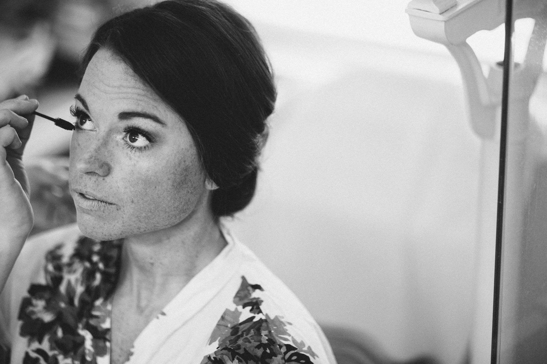 Emily-Eddie-Cincinnati-Rennaissance-Hotel-Wedding-006@2x.jpg