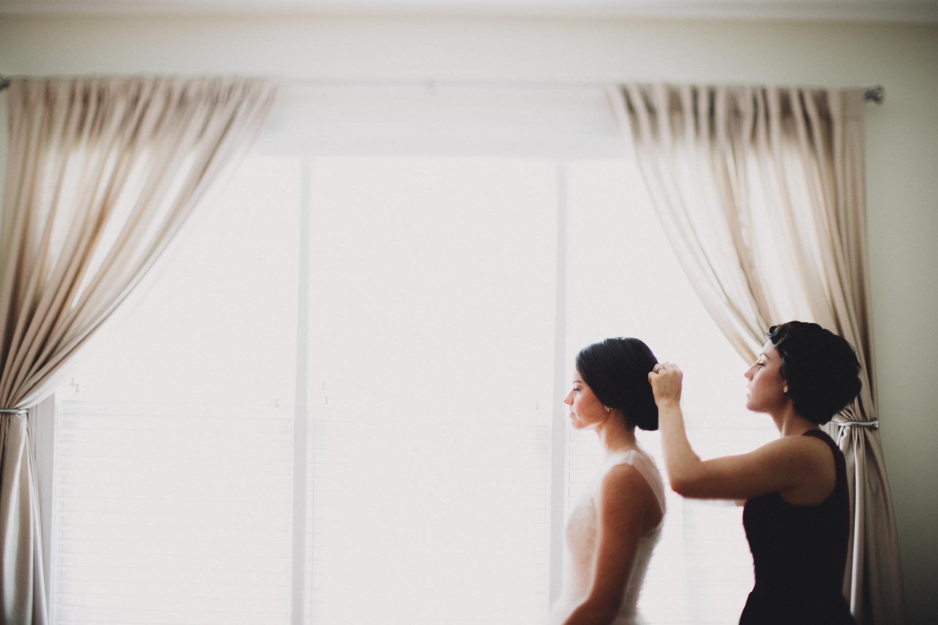 Emily-Eddie-Cincinnati-Rennaissance-Hotel-Wedding-023@2x.jpg