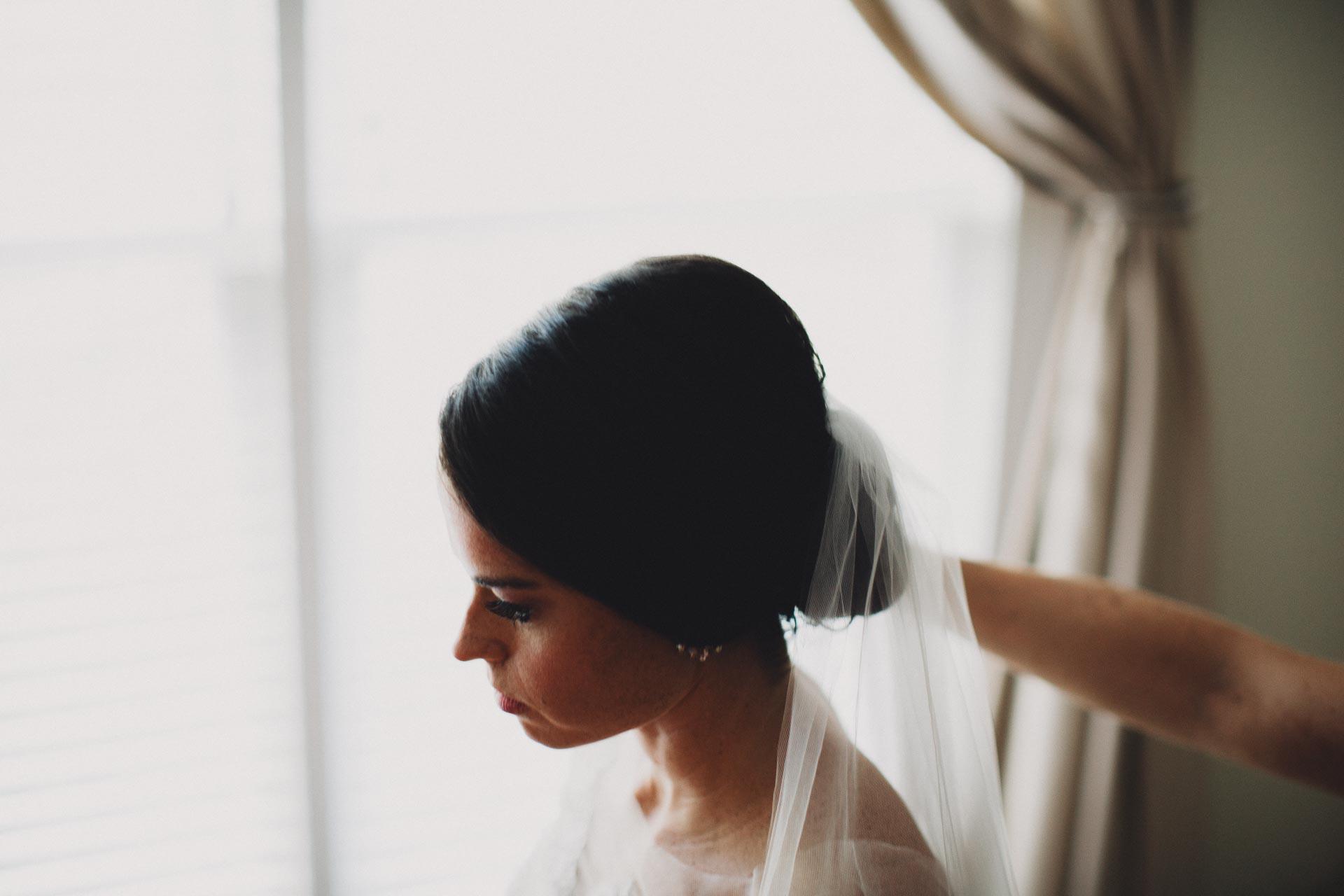 Emily-Eddie-Cincinnati-Rennaissance-Hotel-Wedding-024@2x.jpg