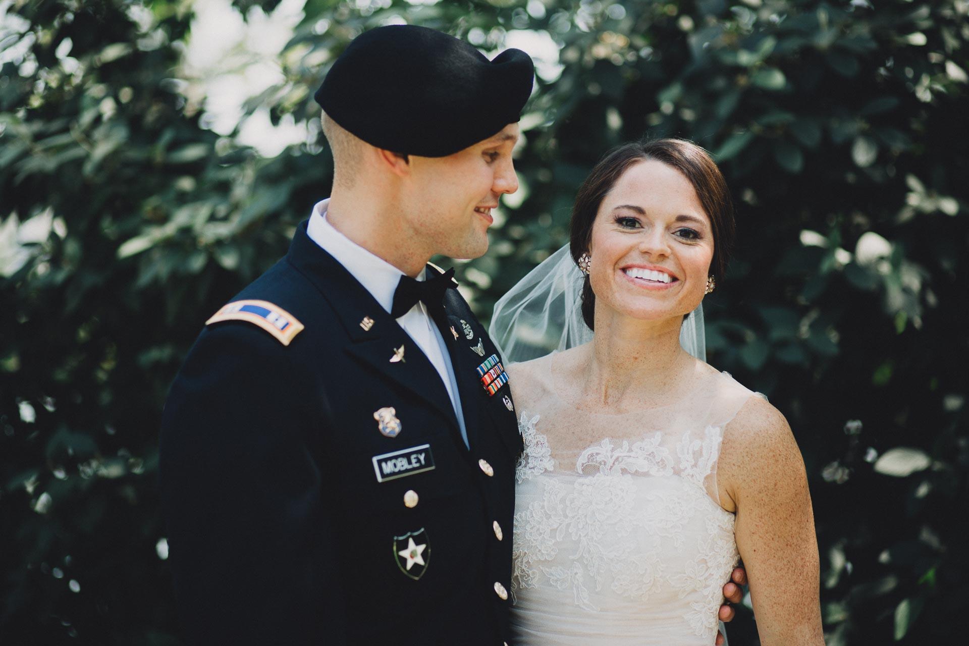 Emily-Eddie-Cincinnati-Rennaissance-Hotel-Wedding-033@2x.jpg