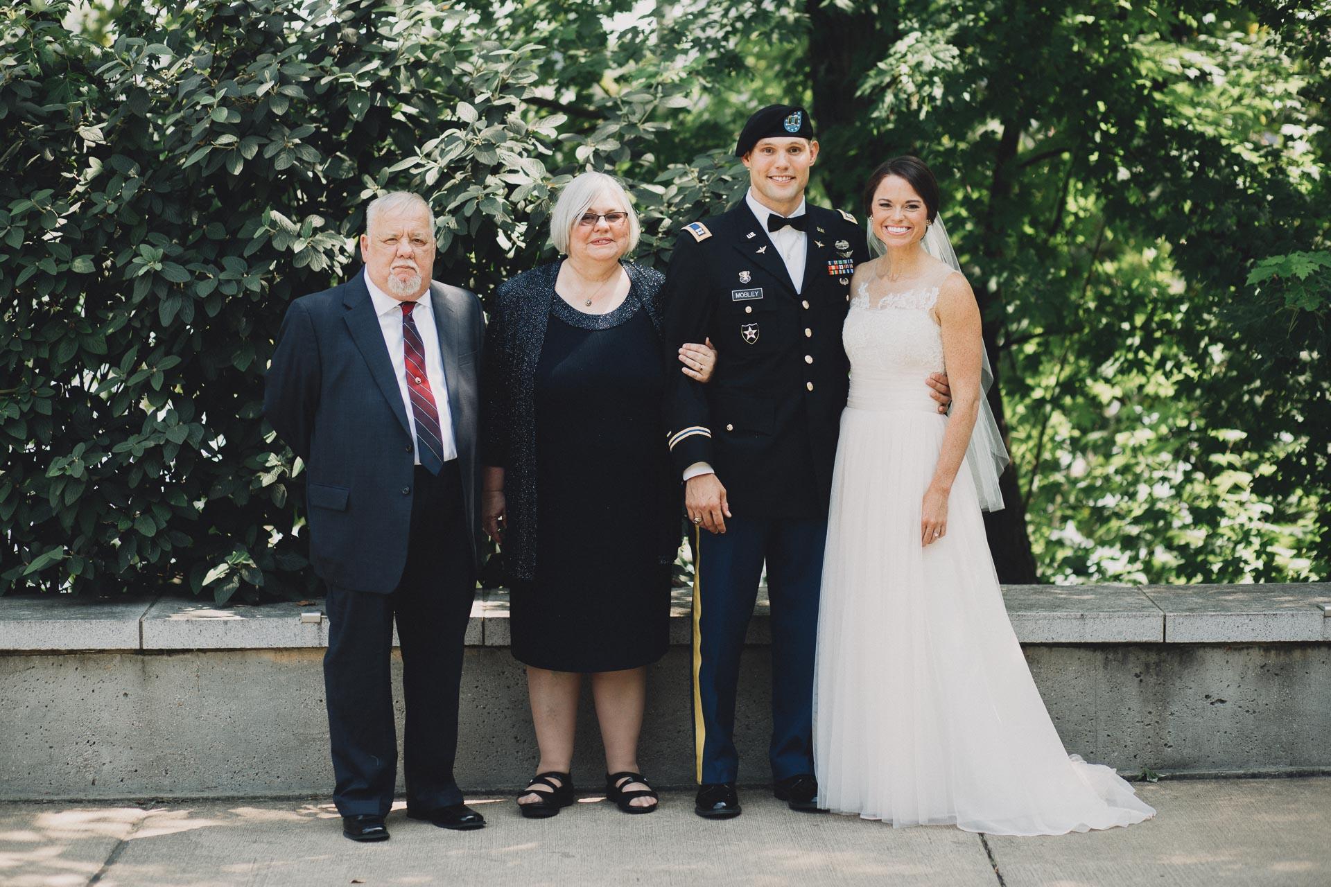 Emily-Eddie-Cincinnati-Rennaissance-Hotel-Wedding-034@2x.jpg