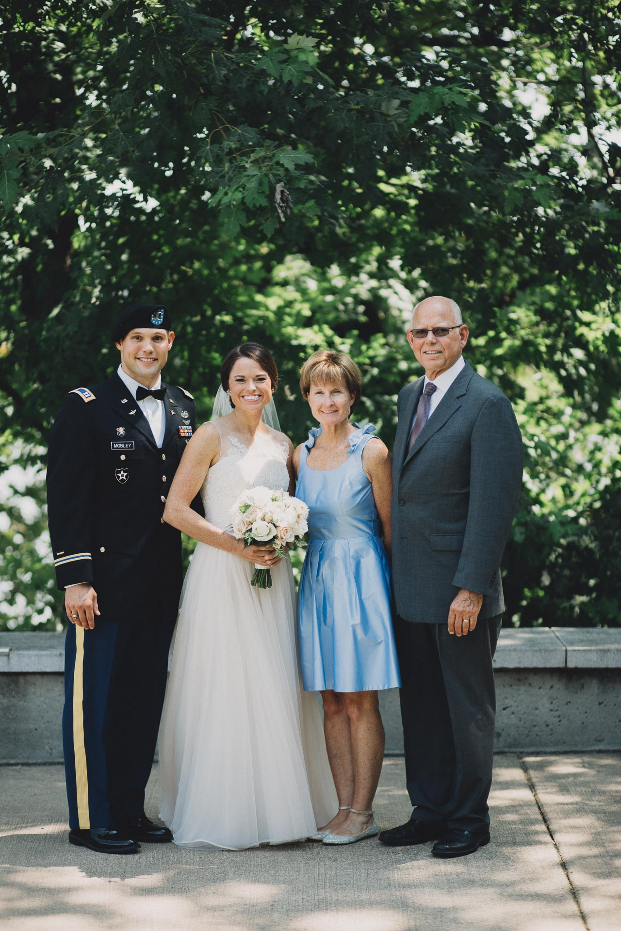 Emily-Eddie-Cincinnati-Rennaissance-Hotel-Wedding-035@2x.jpg