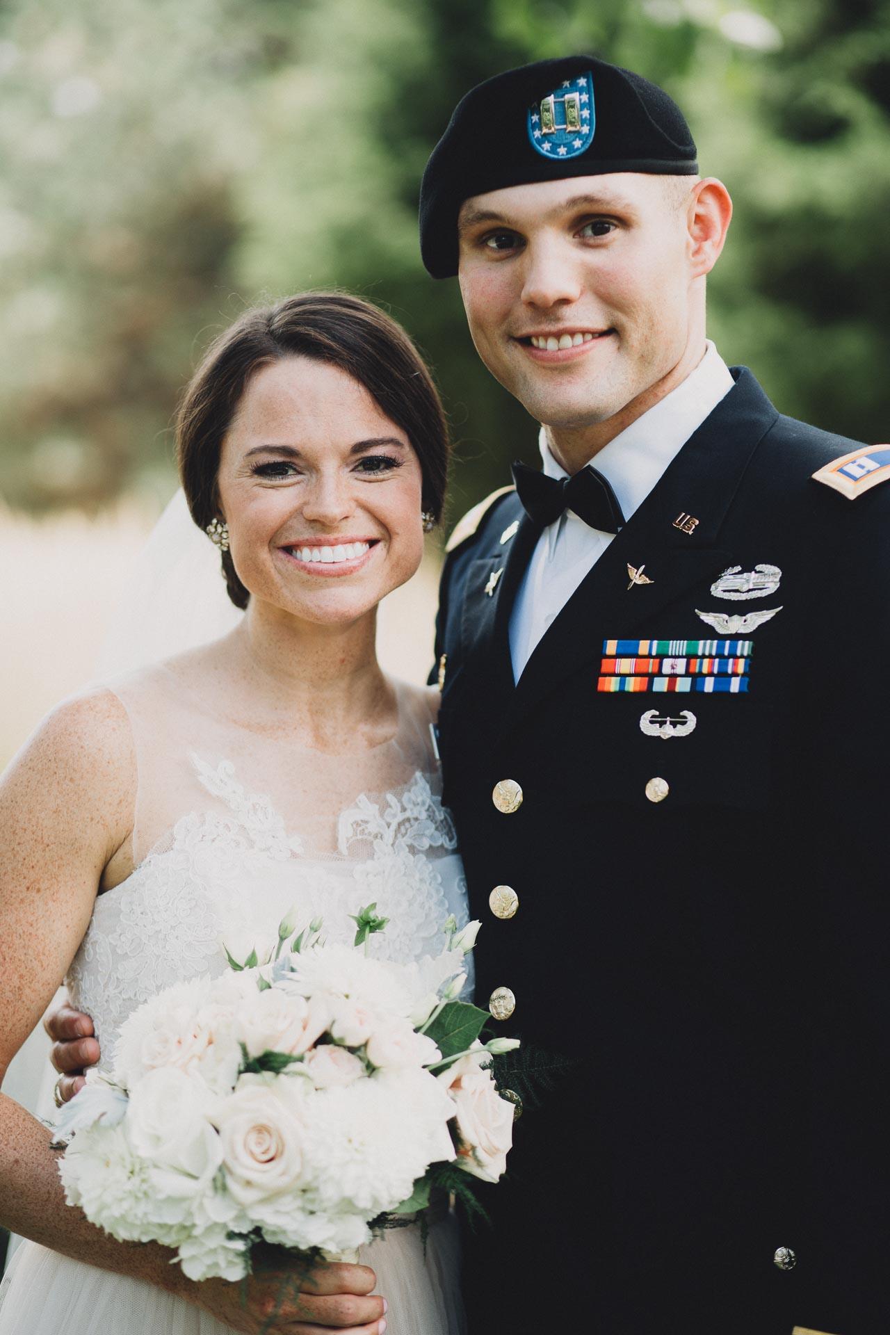 Emily-Eddie-Cincinnati-Rennaissance-Hotel-Wedding-047@2x.jpg