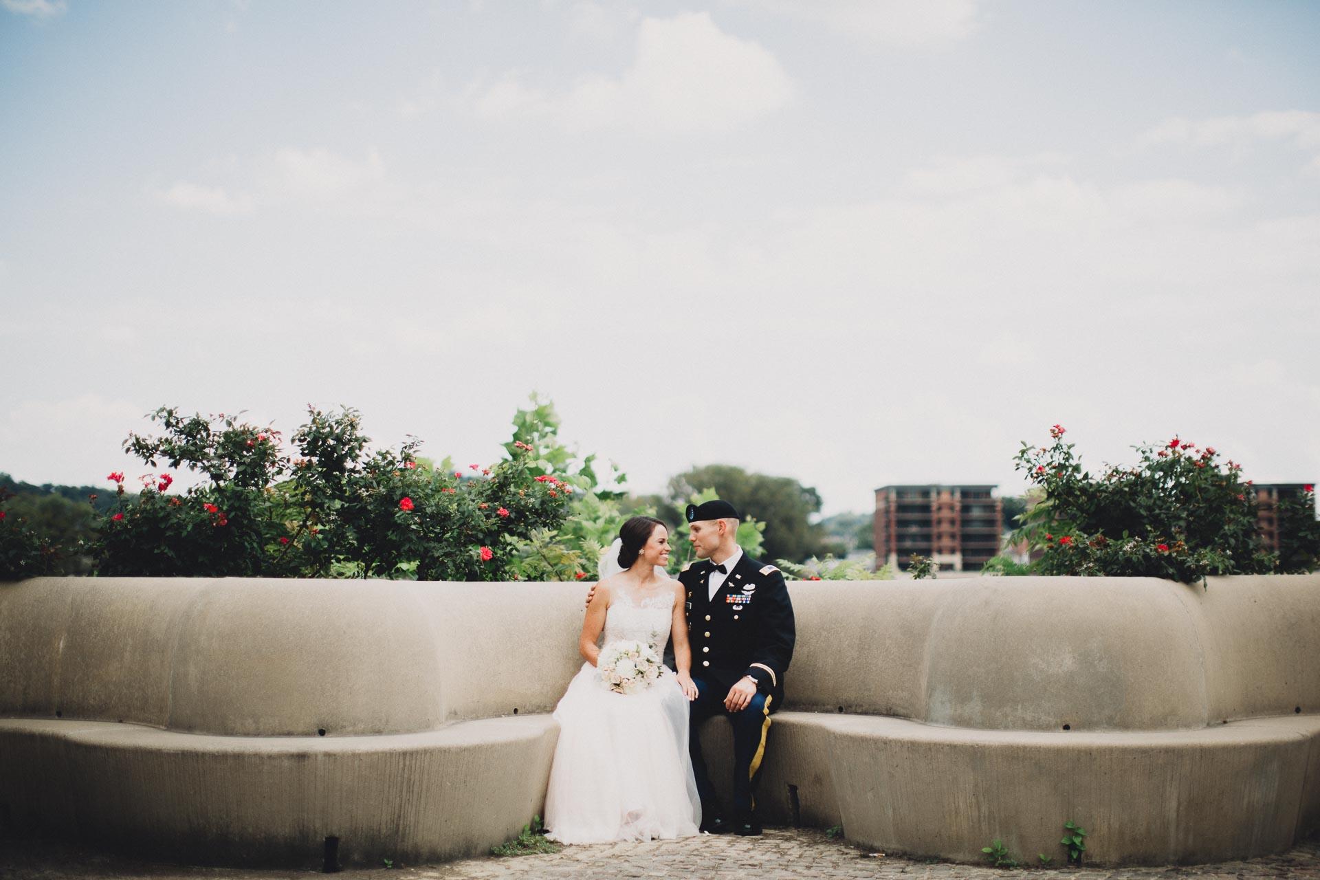 Emily-Eddie-Cincinnati-Rennaissance-Hotel-Wedding-052@2x.jpg
