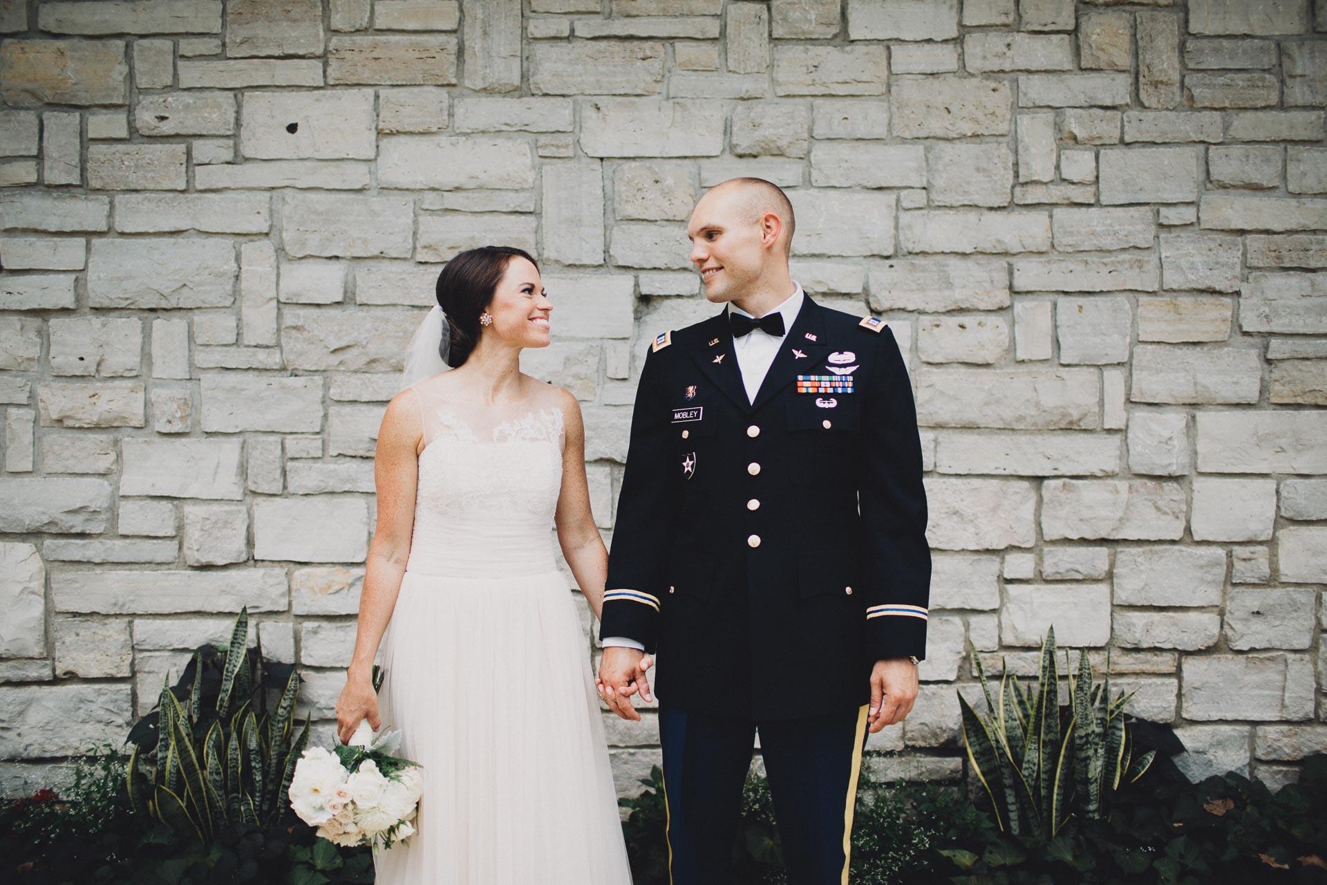 Emily-Eddie-Cincinnati-Rennaissance-Hotel-Wedding-054@2x.jpg