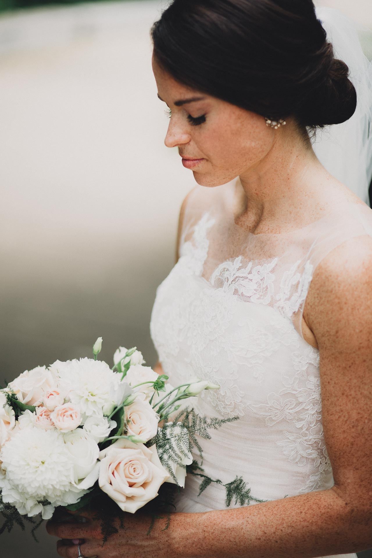 Emily-Eddie-Cincinnati-Rennaissance-Hotel-Wedding-061@2x.jpg