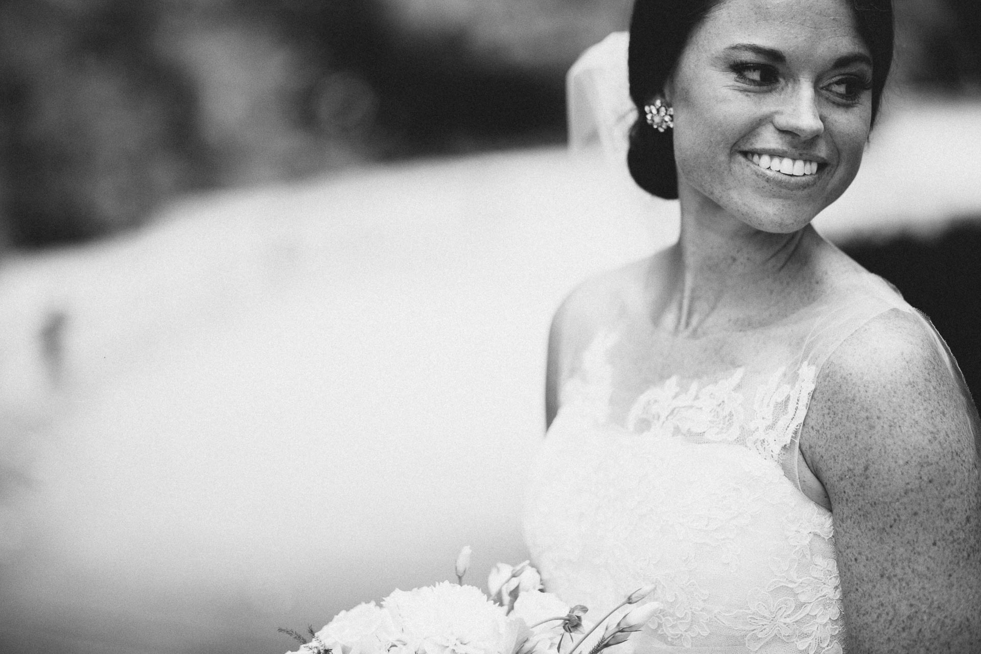 Emily-Eddie-Cincinnati-Rennaissance-Hotel-Wedding-062@2x.jpg