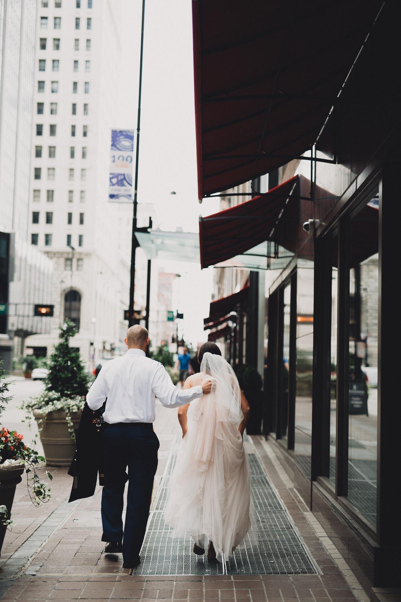 Emily-Eddie-Cincinnati-Rennaissance-Hotel-Wedding-067@2x.jpg