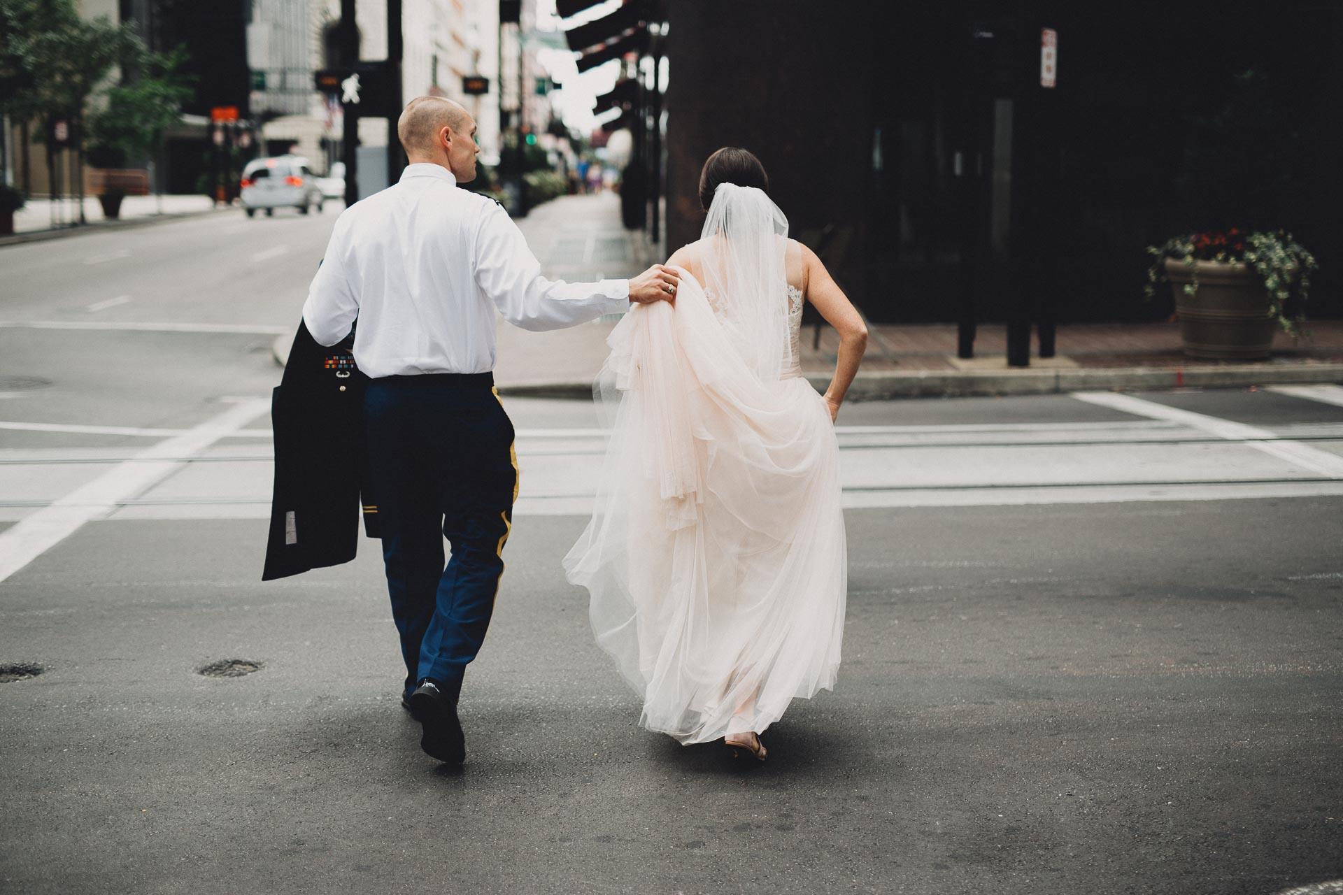 Emily-Eddie-Cincinnati-Rennaissance-Hotel-Wedding-068@2x.jpg