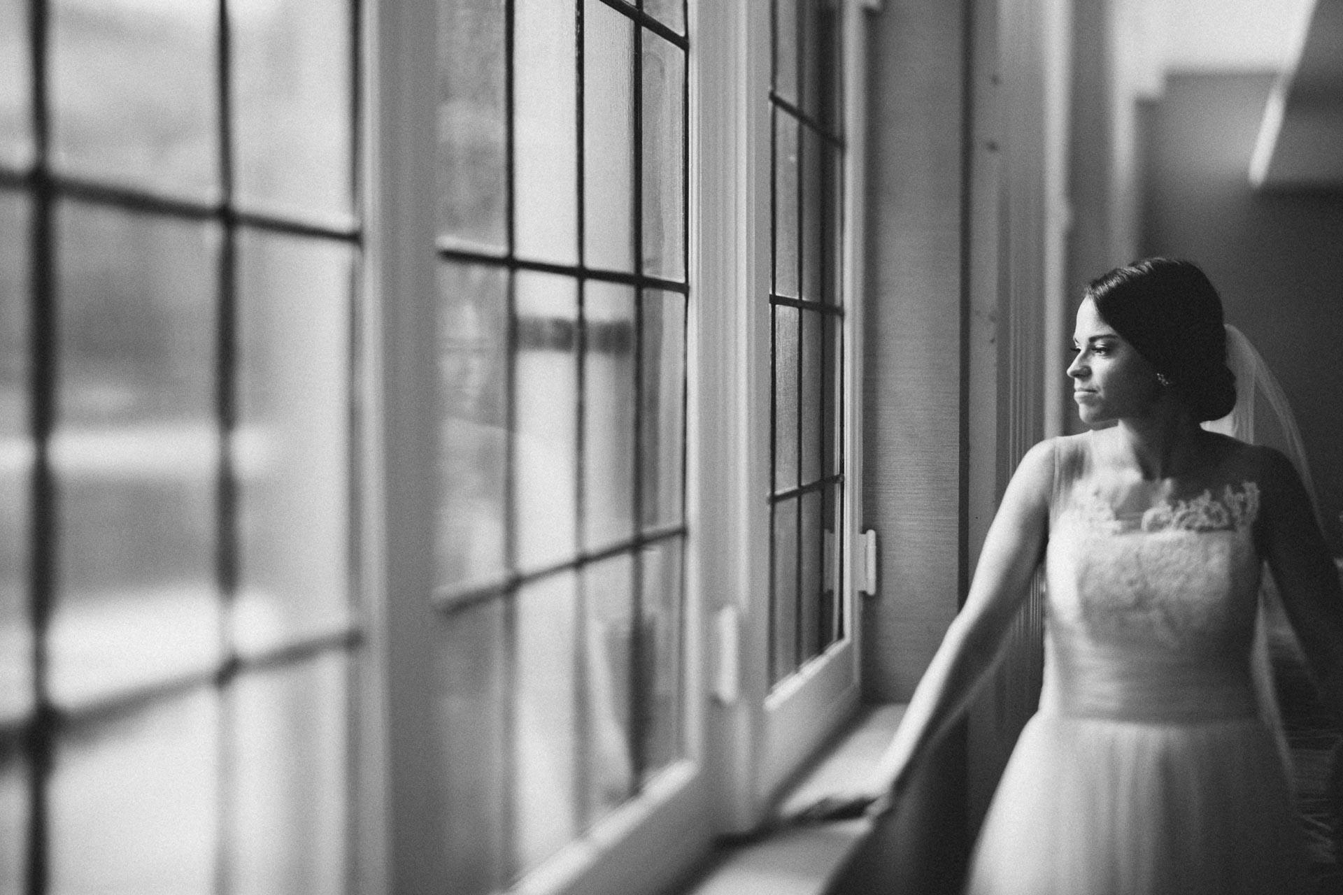 Emily-Eddie-Cincinnati-Rennaissance-Hotel-Wedding-071@2x.jpg