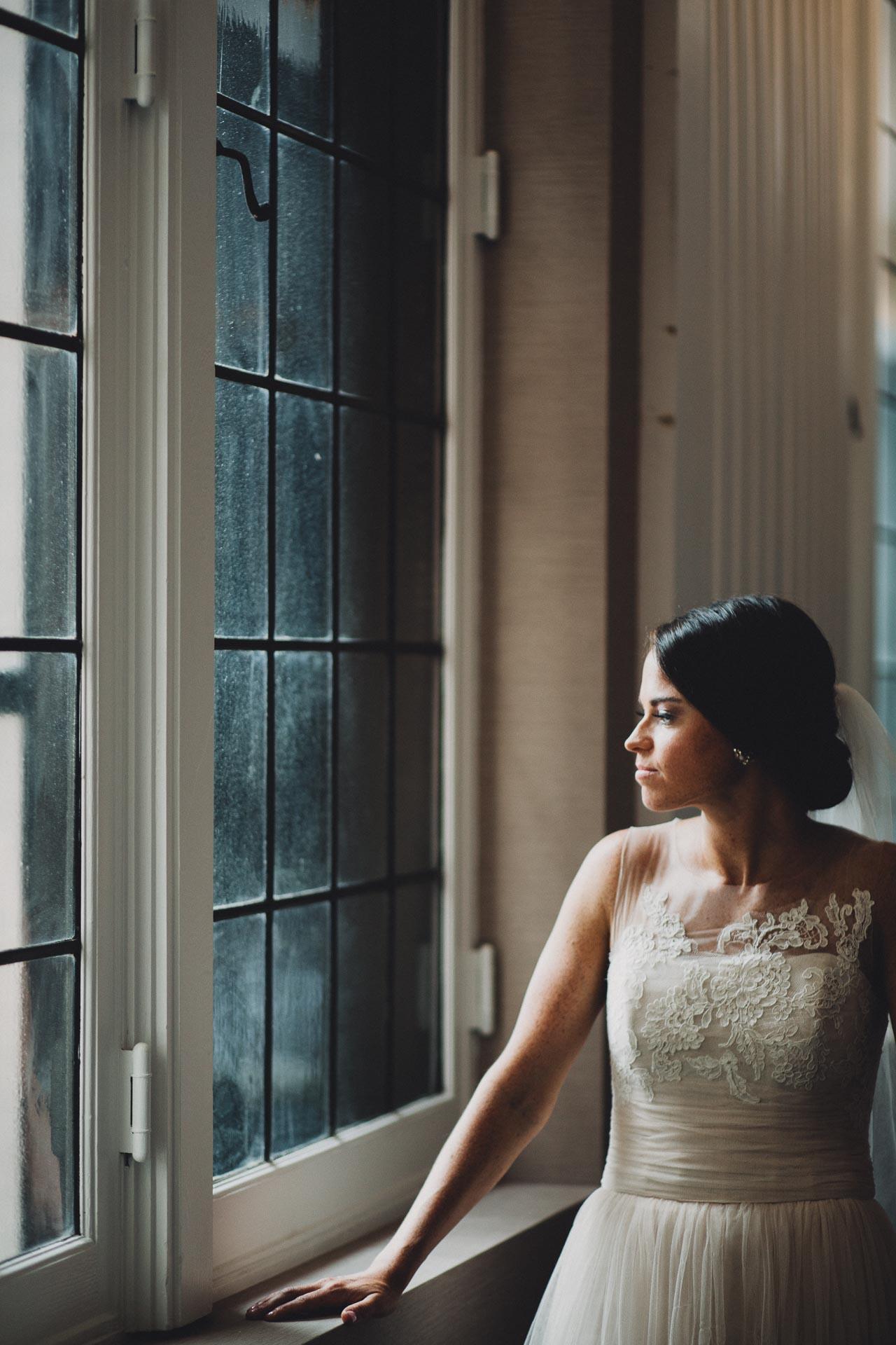 Emily-Eddie-Cincinnati-Rennaissance-Hotel-Wedding-072@2x.jpg