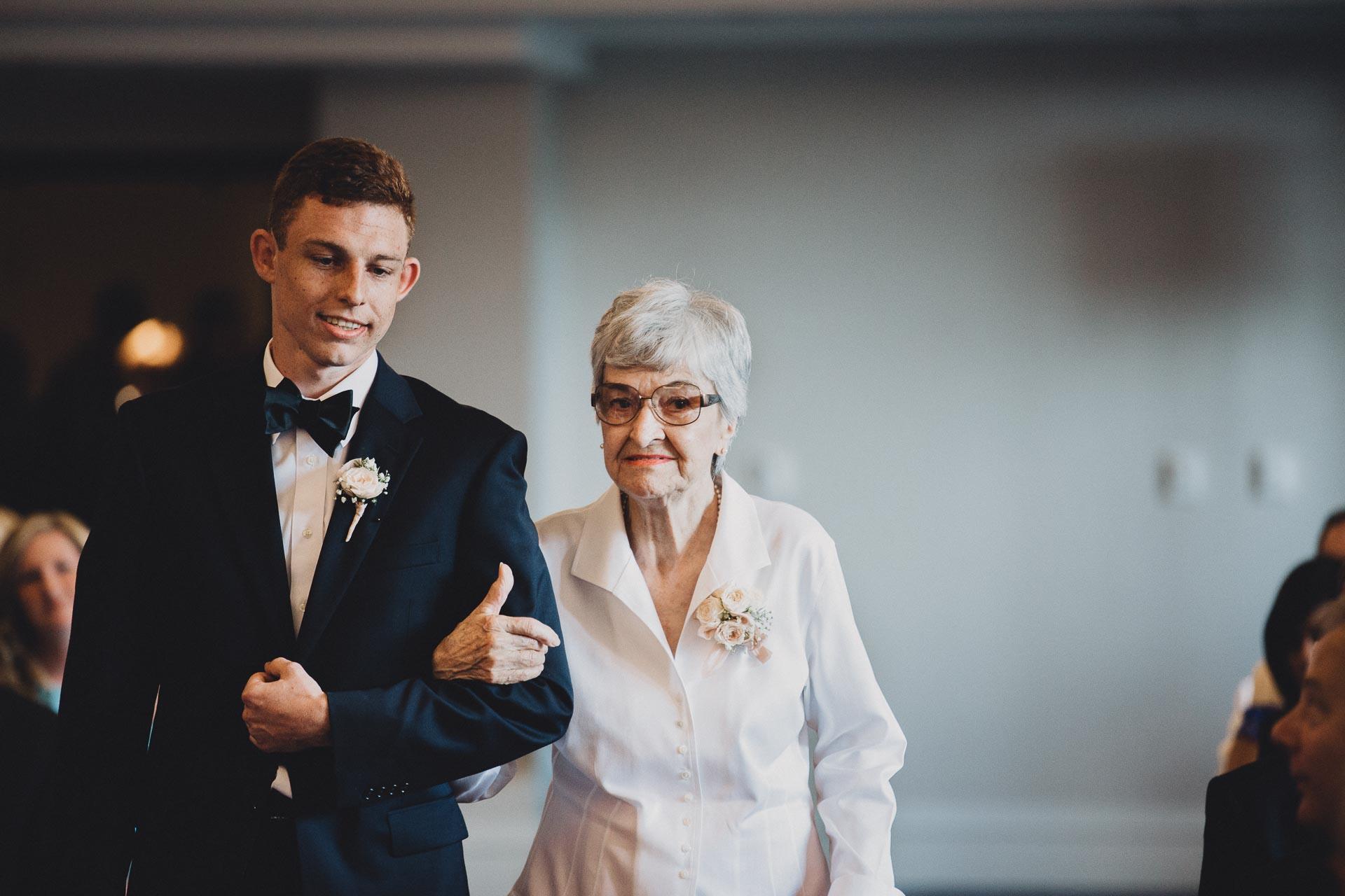 Emily-Eddie-Cincinnati-Rennaissance-Hotel-Wedding-078@2x.jpg