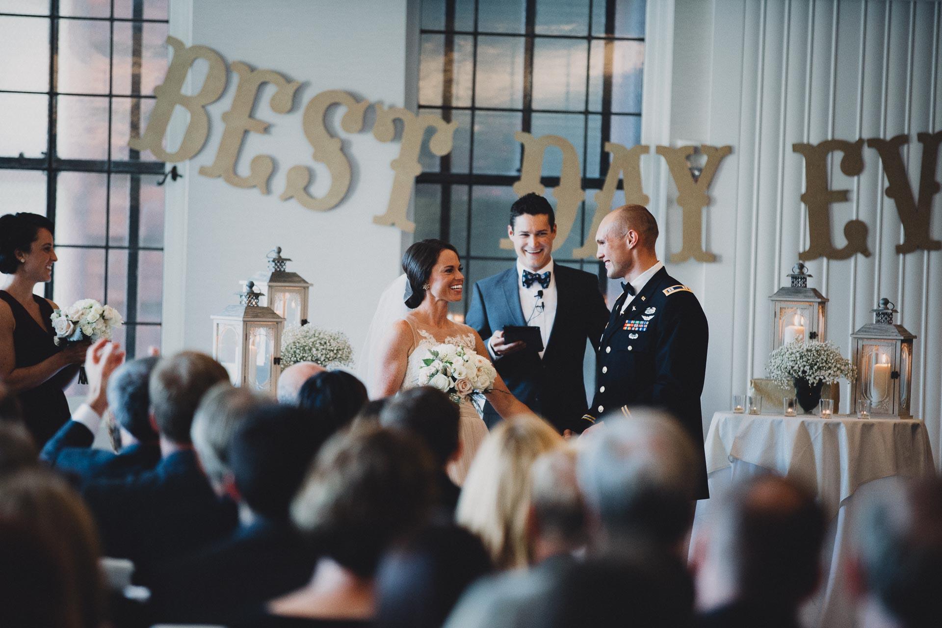 Emily-Eddie-Cincinnati-Rennaissance-Hotel-Wedding-091@2x.jpg