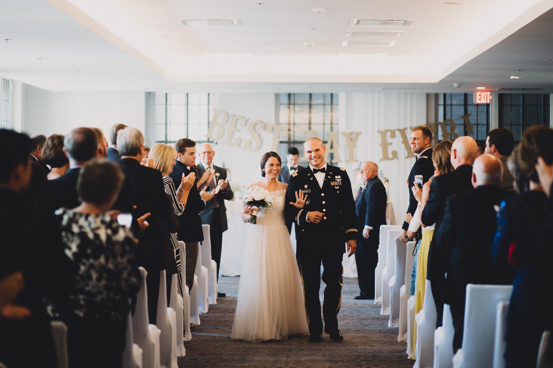 Emily-Eddie-Cincinnati-Rennaissance-Hotel-Wedding-095@2x.jpg