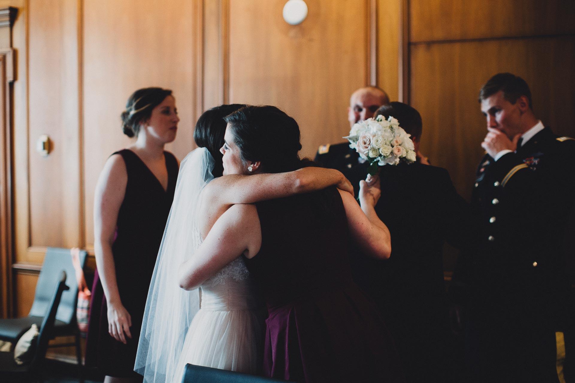 Emily-Eddie-Cincinnati-Rennaissance-Hotel-Wedding-096@2x.jpg
