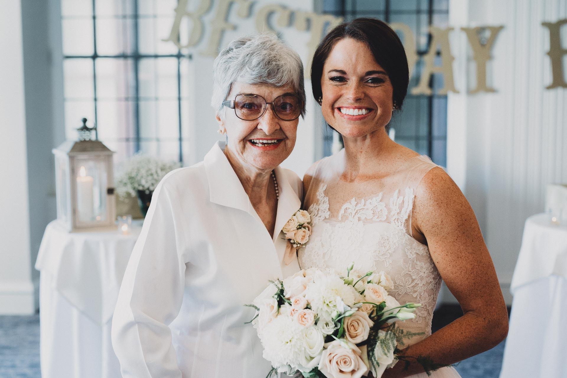 Emily-Eddie-Cincinnati-Rennaissance-Hotel-Wedding-097@2x.jpg
