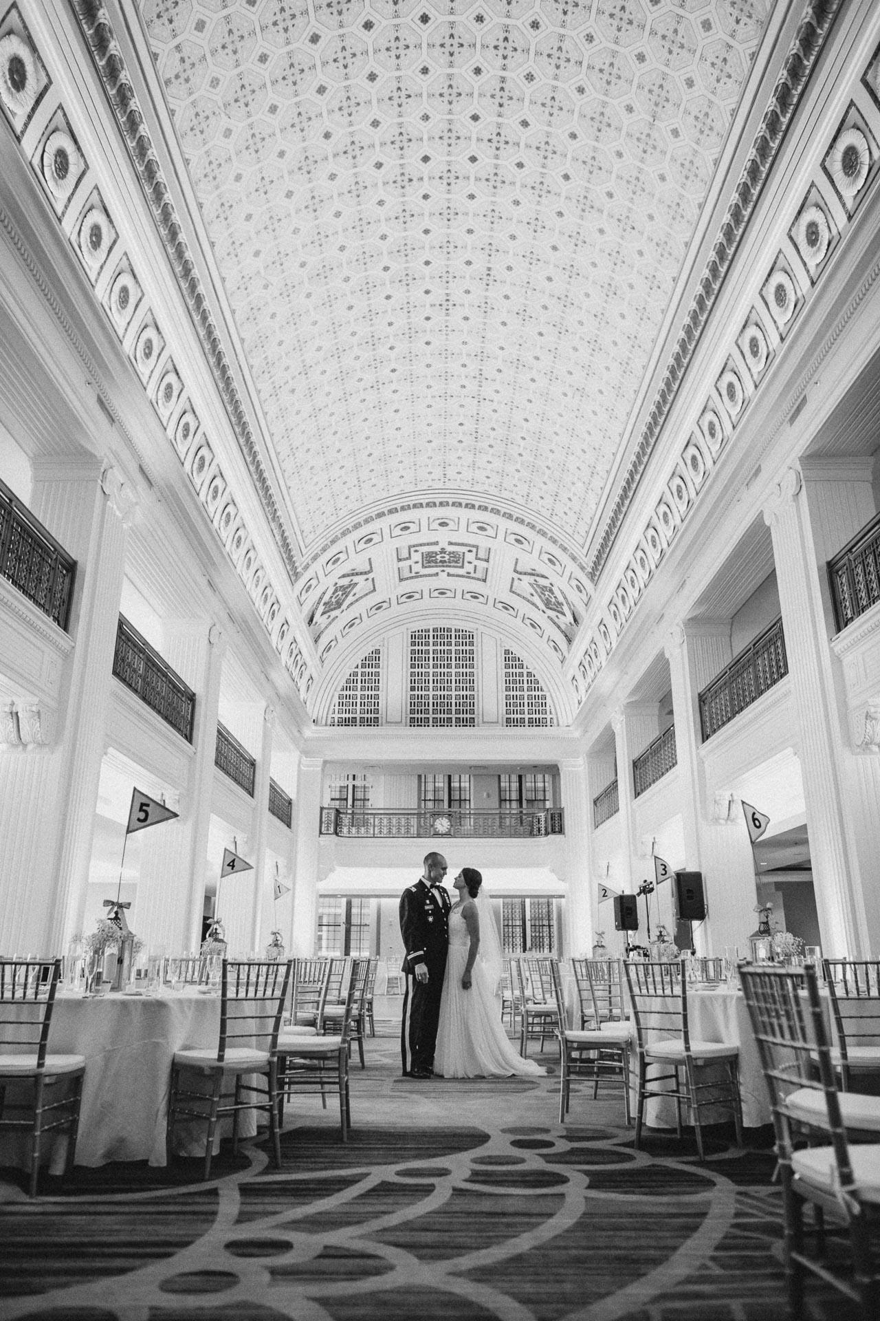 Emily-Eddie-Cincinnati-Rennaissance-Hotel-Wedding-106@2x.jpg