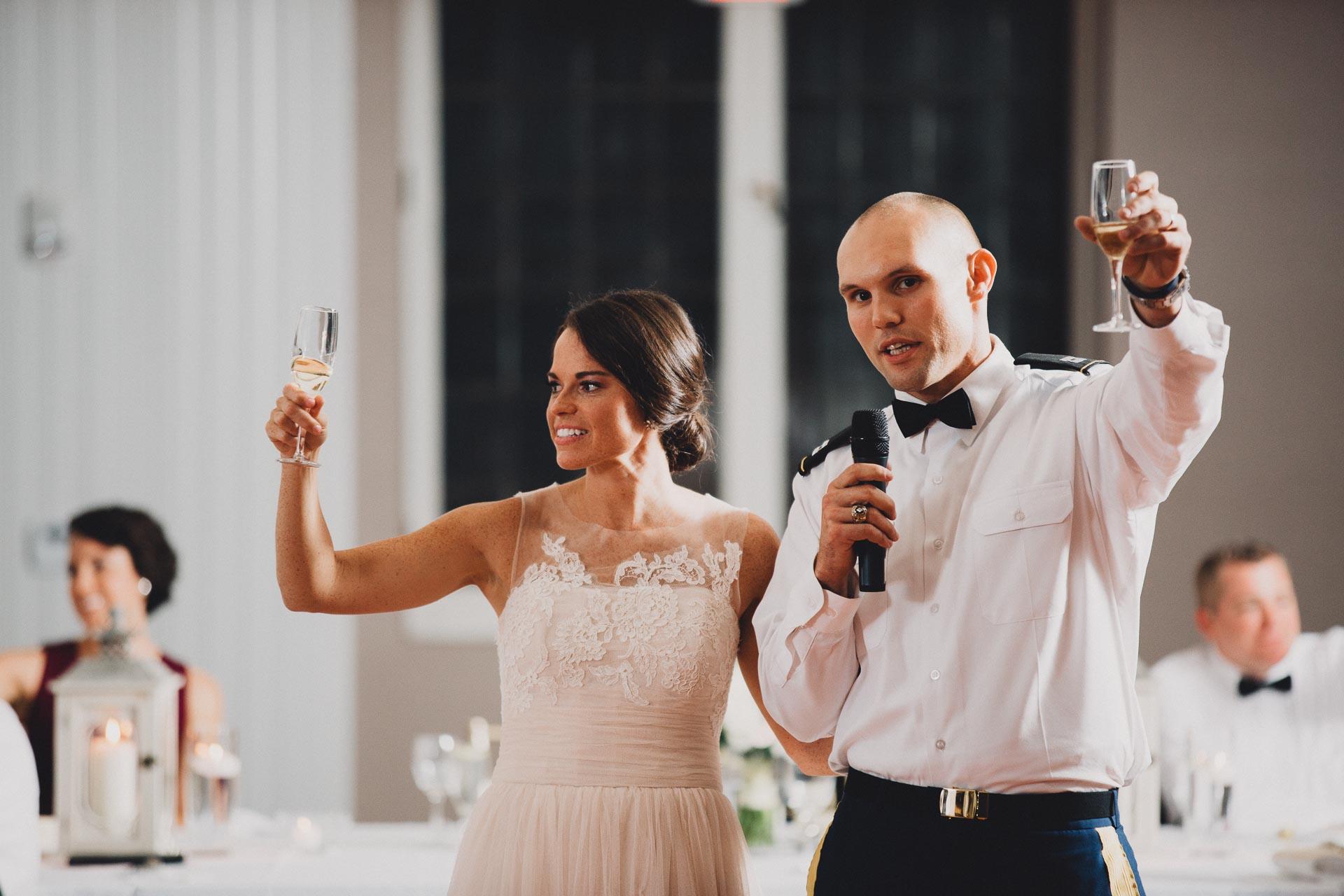 Emily-Eddie-Cincinnati-Rennaissance-Hotel-Wedding-116@2x.jpg