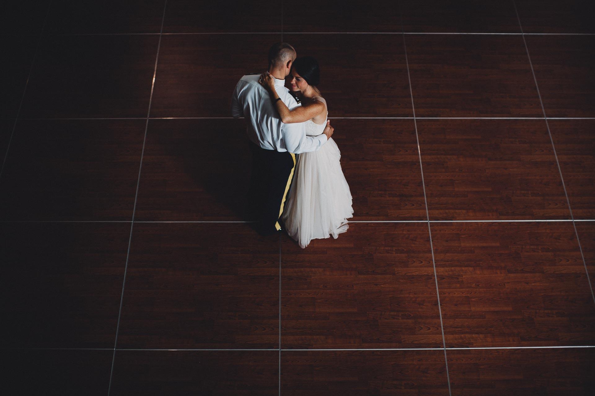 Emily-Eddie-Cincinnati-Rennaissance-Hotel-Wedding-127@2x.jpg