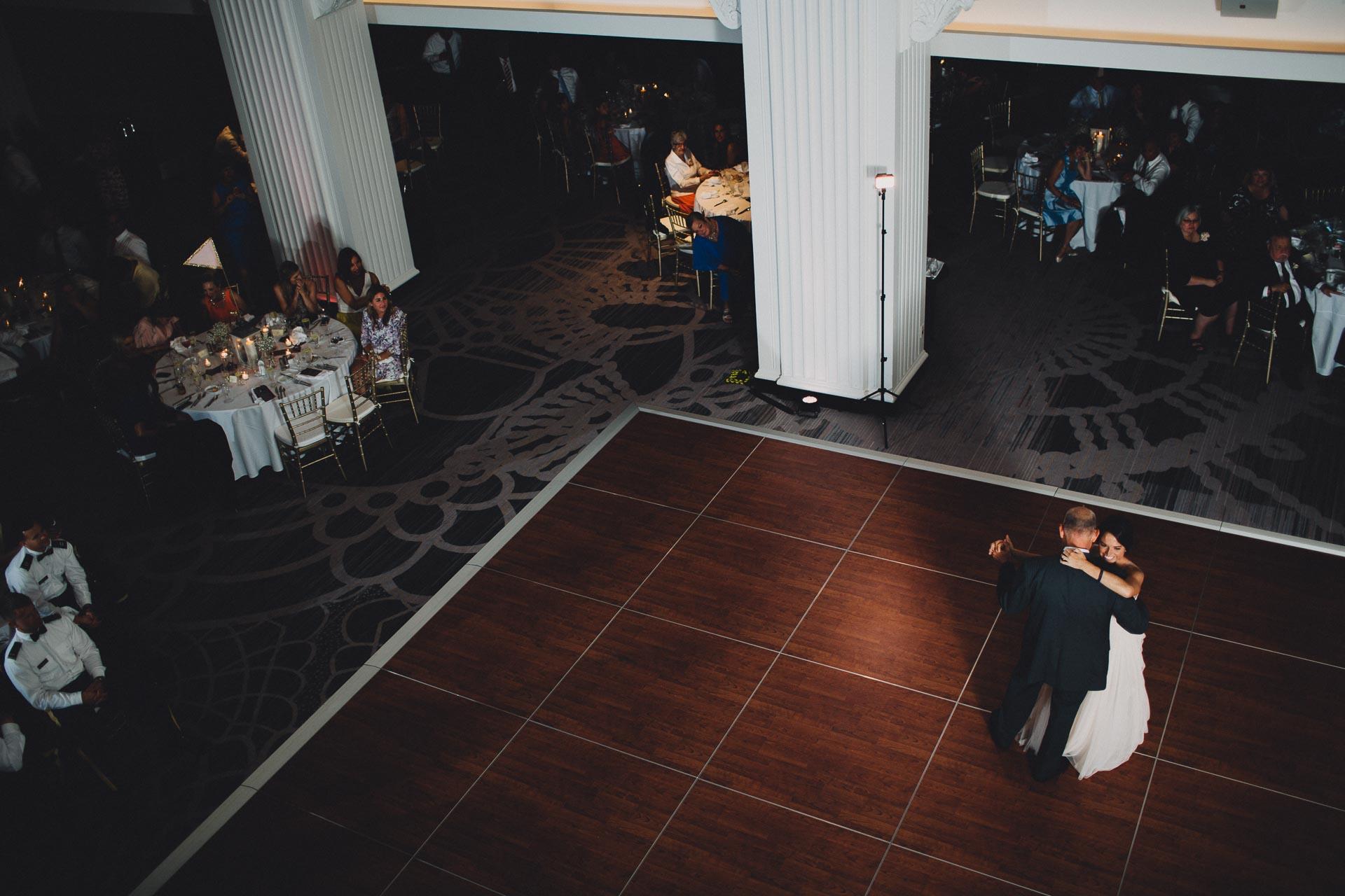 Emily-Eddie-Cincinnati-Rennaissance-Hotel-Wedding-128@2x.jpg