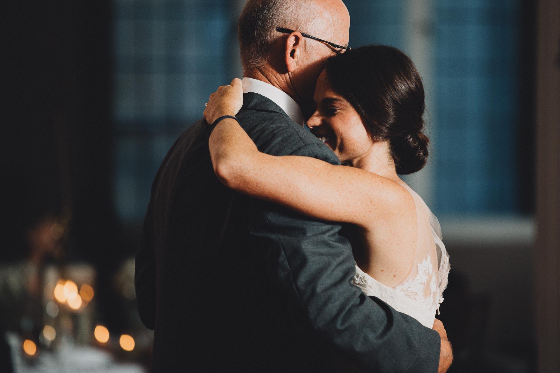 Emily-Eddie-Cincinnati-Rennaissance-Hotel-Wedding-129@2x.jpg