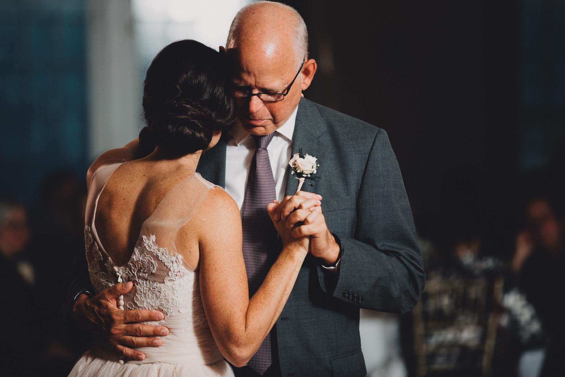 Emily-Eddie-Cincinnati-Rennaissance-Hotel-Wedding-130@2x.jpg