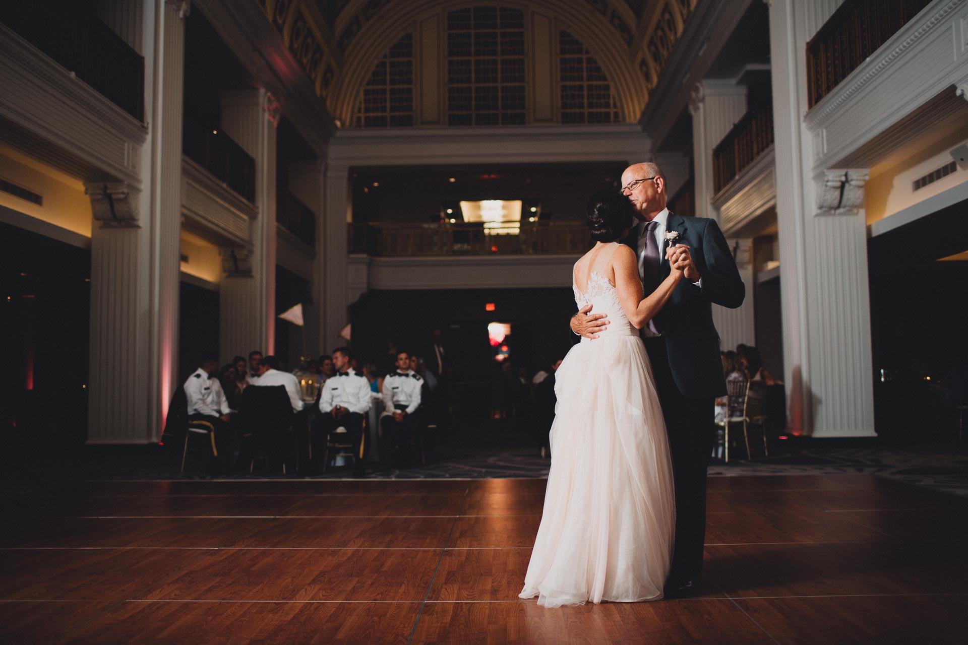 Emily-Eddie-Cincinnati-Rennaissance-Hotel-Wedding-131@2x.jpg
