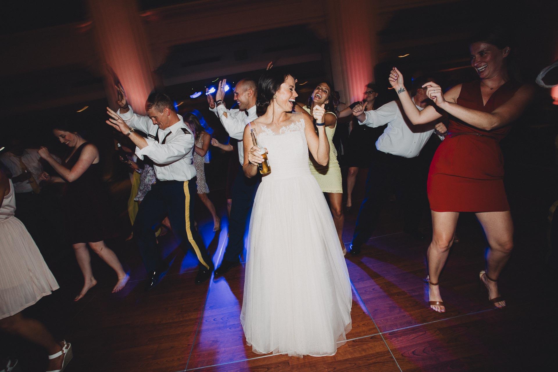 Emily-Eddie-Cincinnati-Rennaissance-Hotel-Wedding-137@2x.jpg